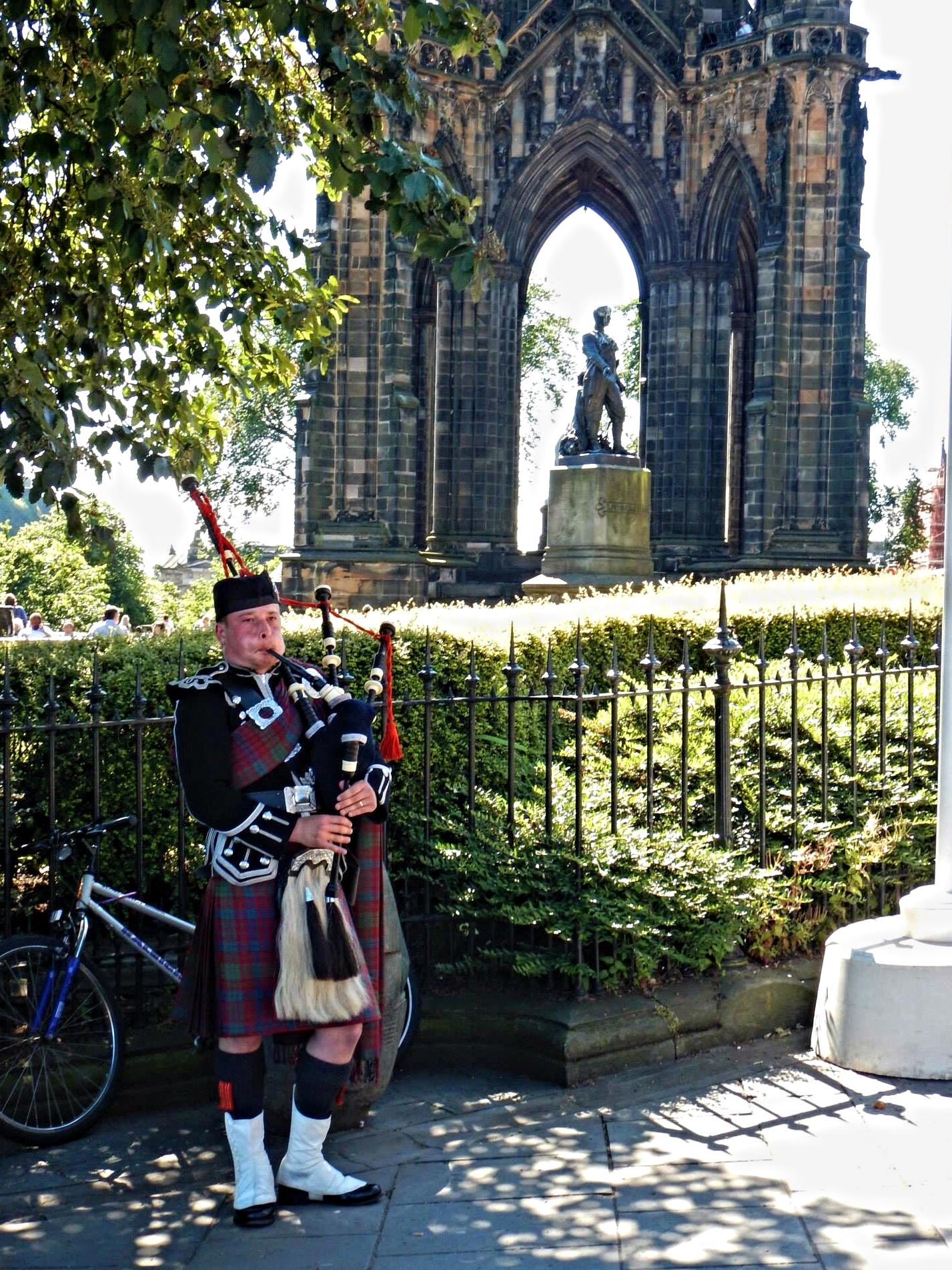 Piper near Scott Monument