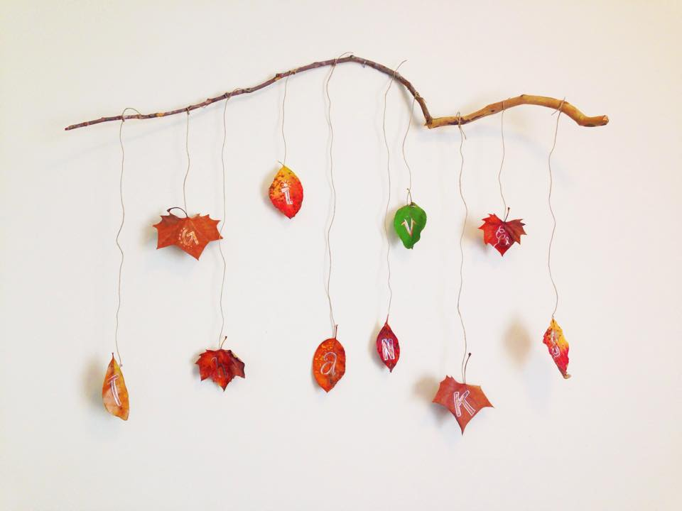 Give Thanks Thanksgiving Leaf Decor