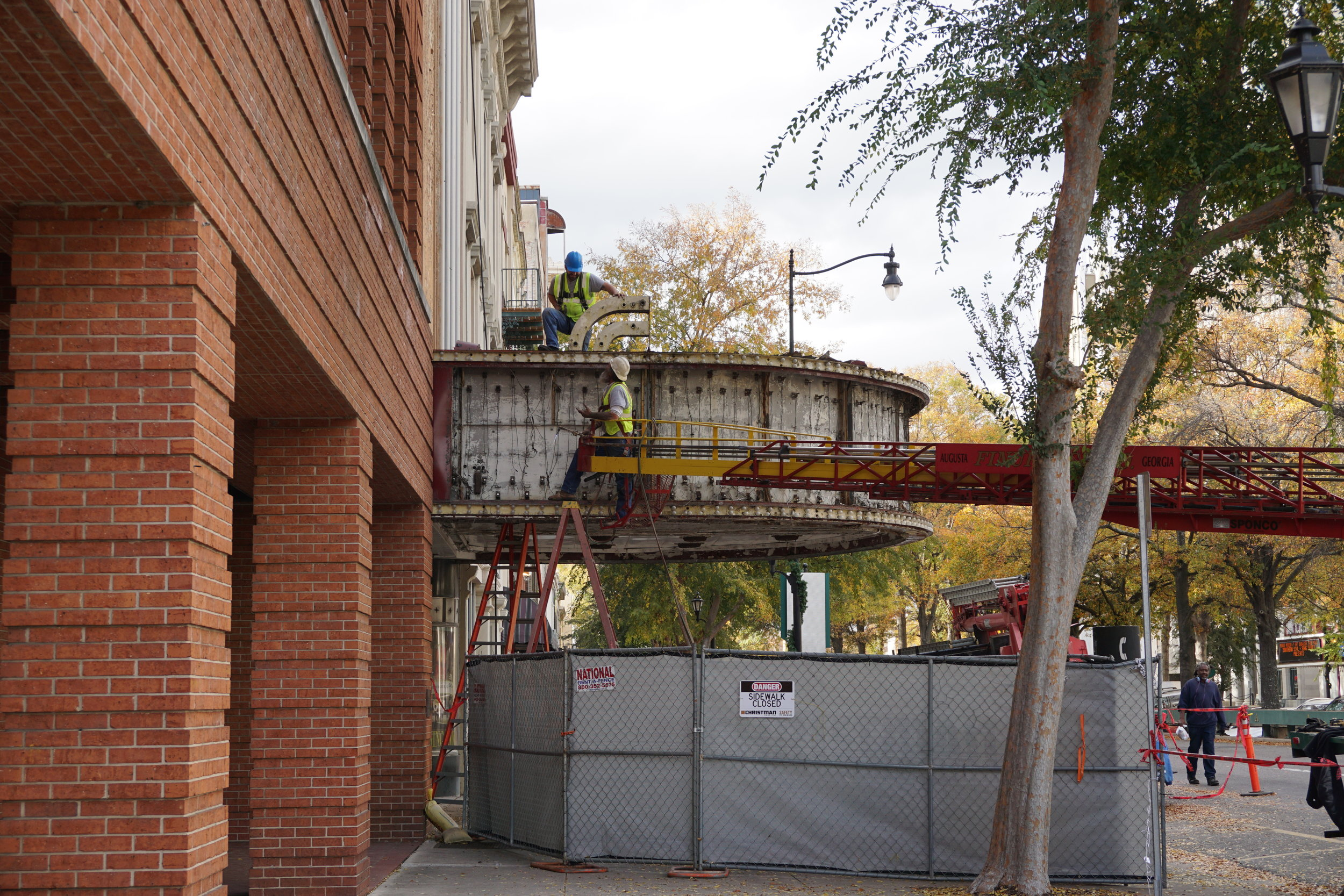 Miller Theater sign removal in Downtown Augusta