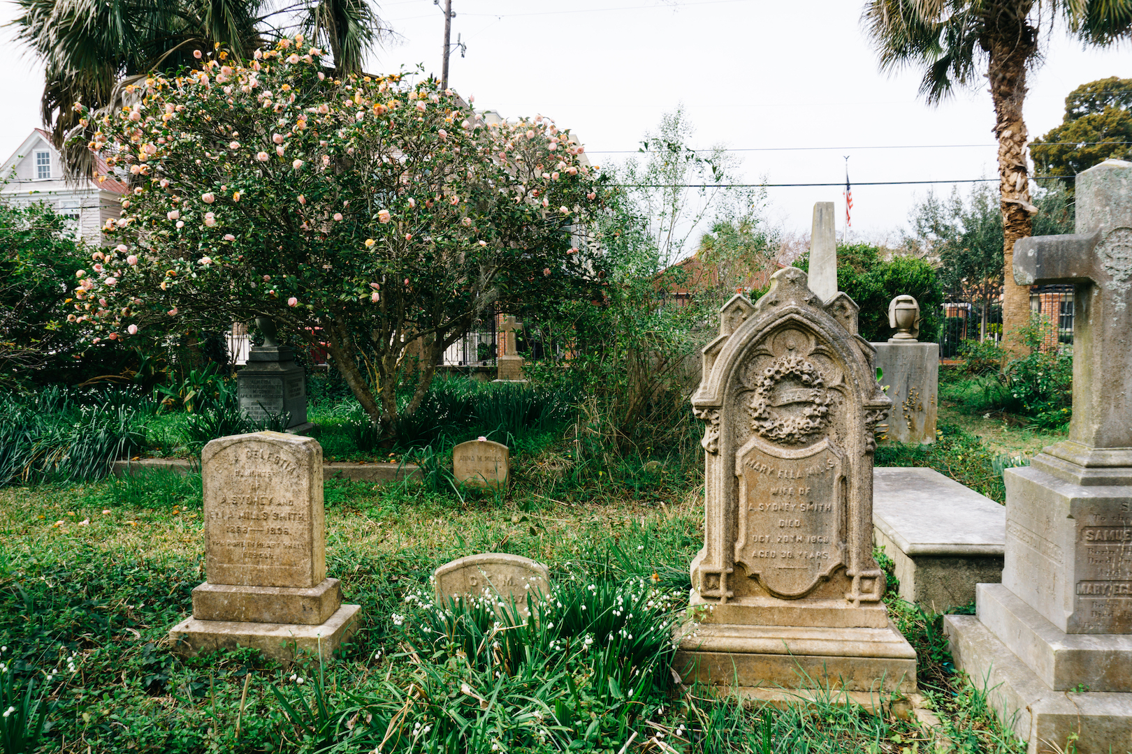 Unitarian Church graves in Charleston
