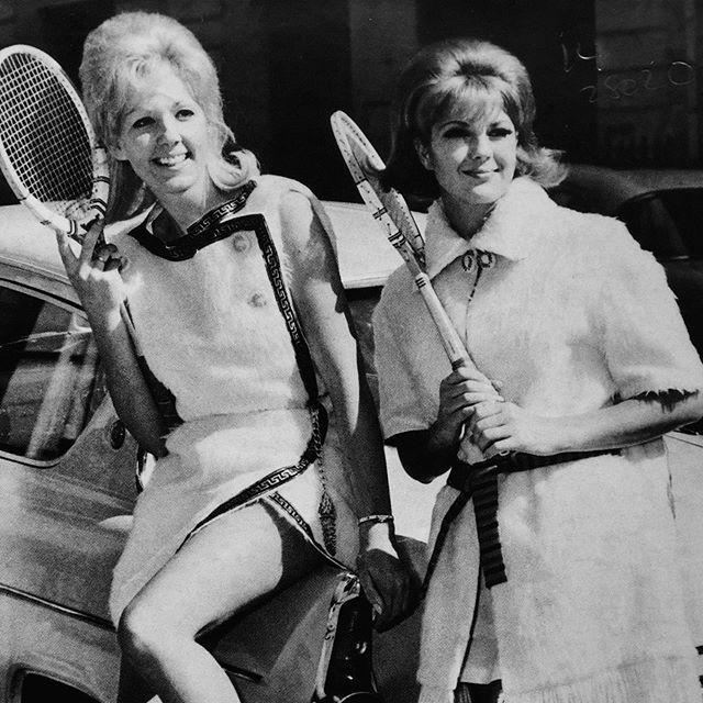 Our post-Wimbledon glow. . . . . . #williamsburgcountryclub #wcc #countryclub #williamsburg #brooklyn  #brooklynvibes #williamsburgbk #shopsmall #fintech  #clubhouse #athleisure #tennisoutfit #tennis #wimbledon2019