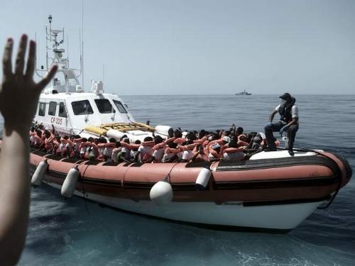 aquarius-transfer-refugees.jpg