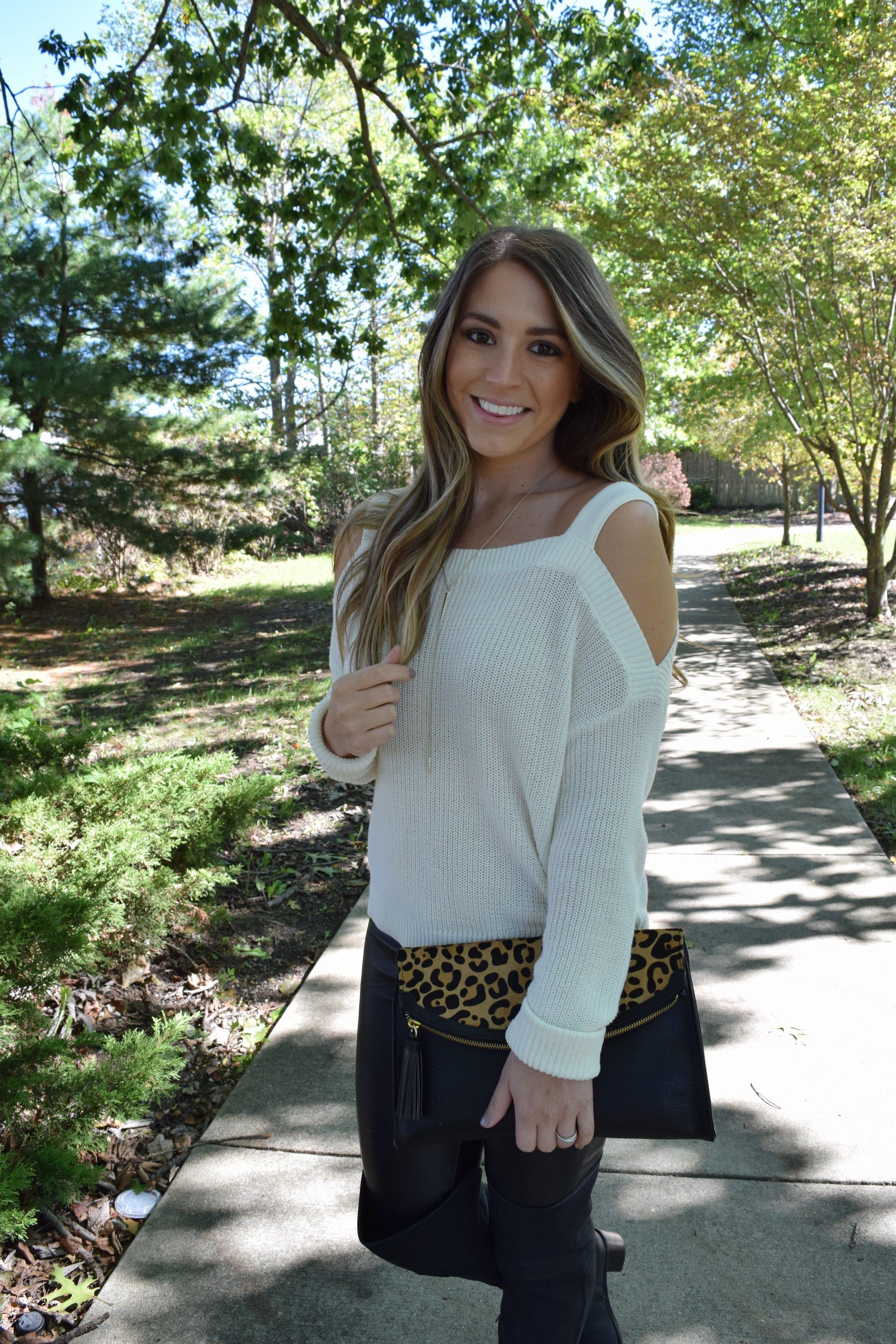 cold shoulder sweater // pinebarrenbeauty.com