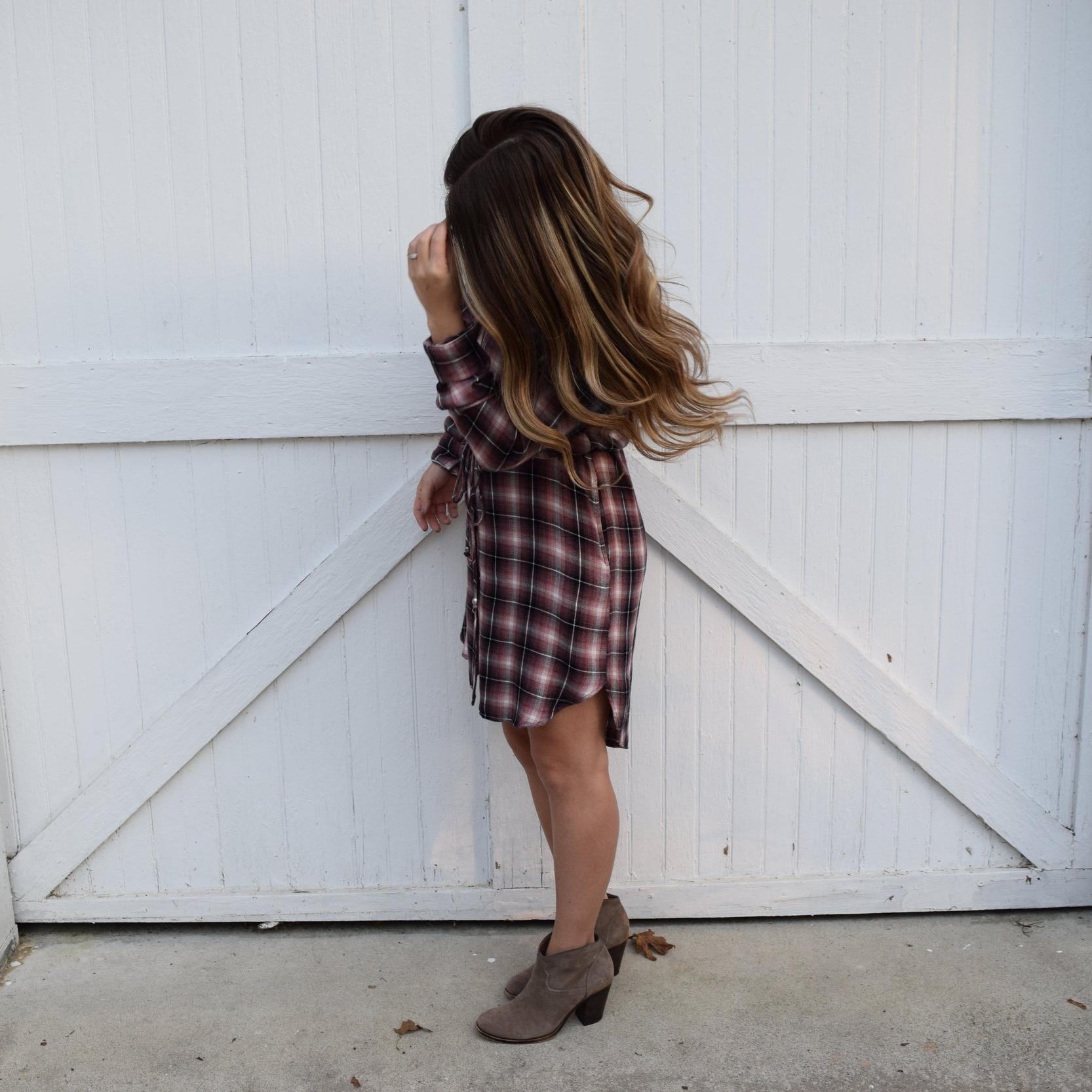 flannel shirt dress // pinebarrenbeauty.com