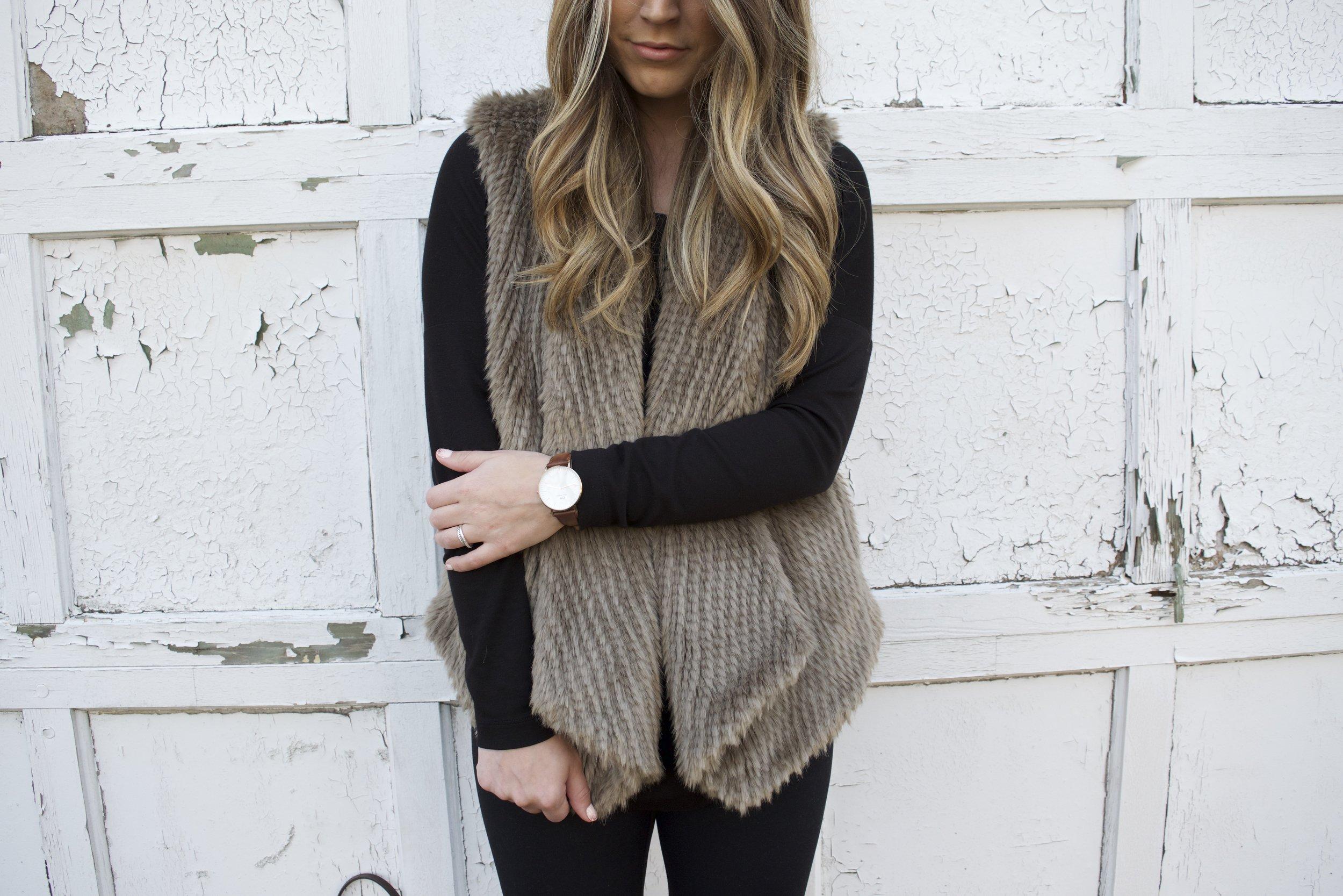 faux fur vest // pinebarrenbeauty.com