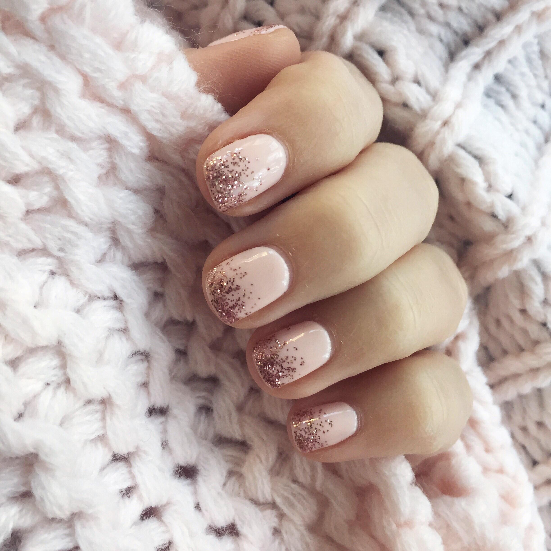 nude manicure with rose gold glitter // pinebarrenbeauty.com