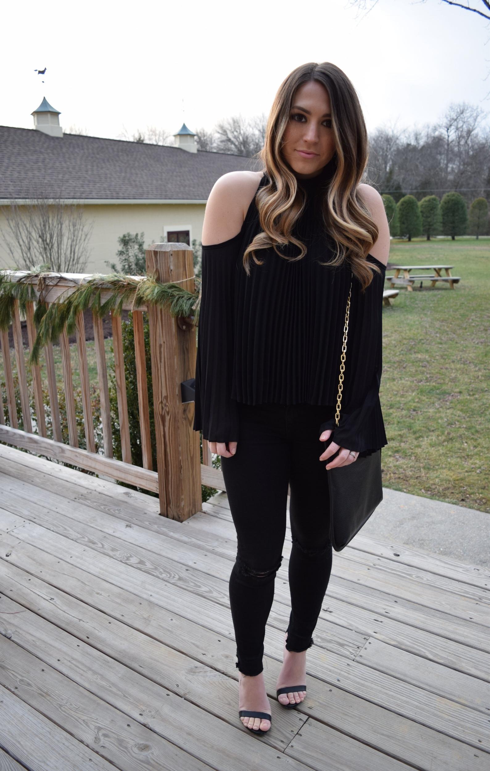 Christmas Eve outfit // pinebarrenbeauty.com