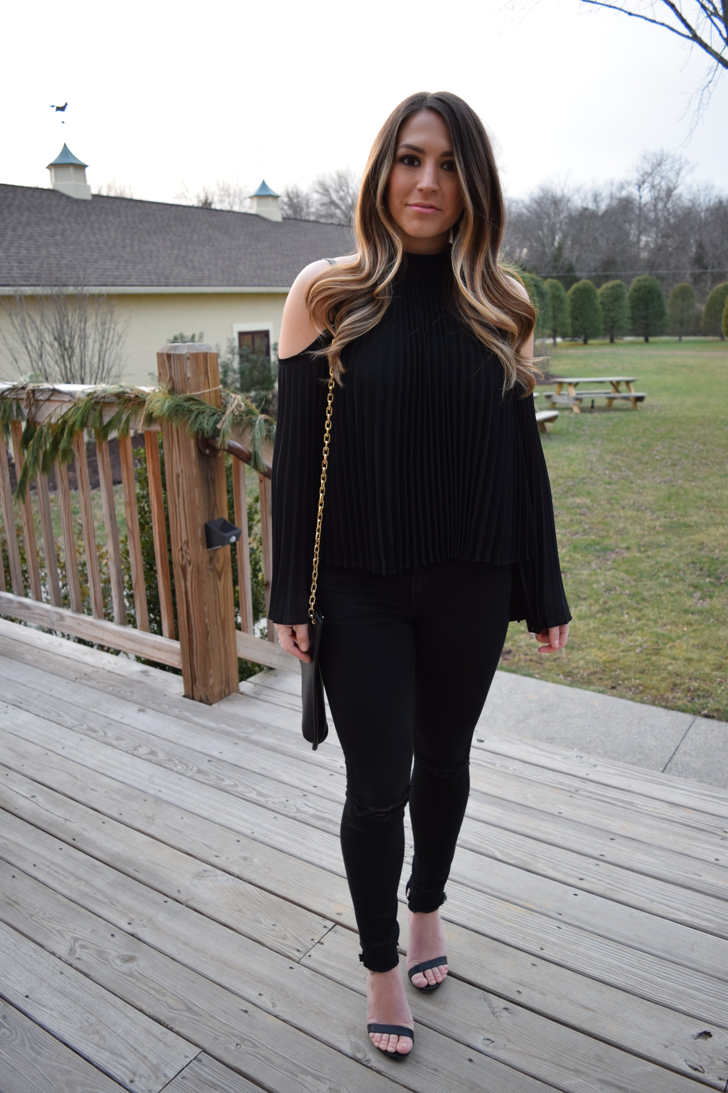 Christmas Eve outfit // pinebarrenbeauty.com