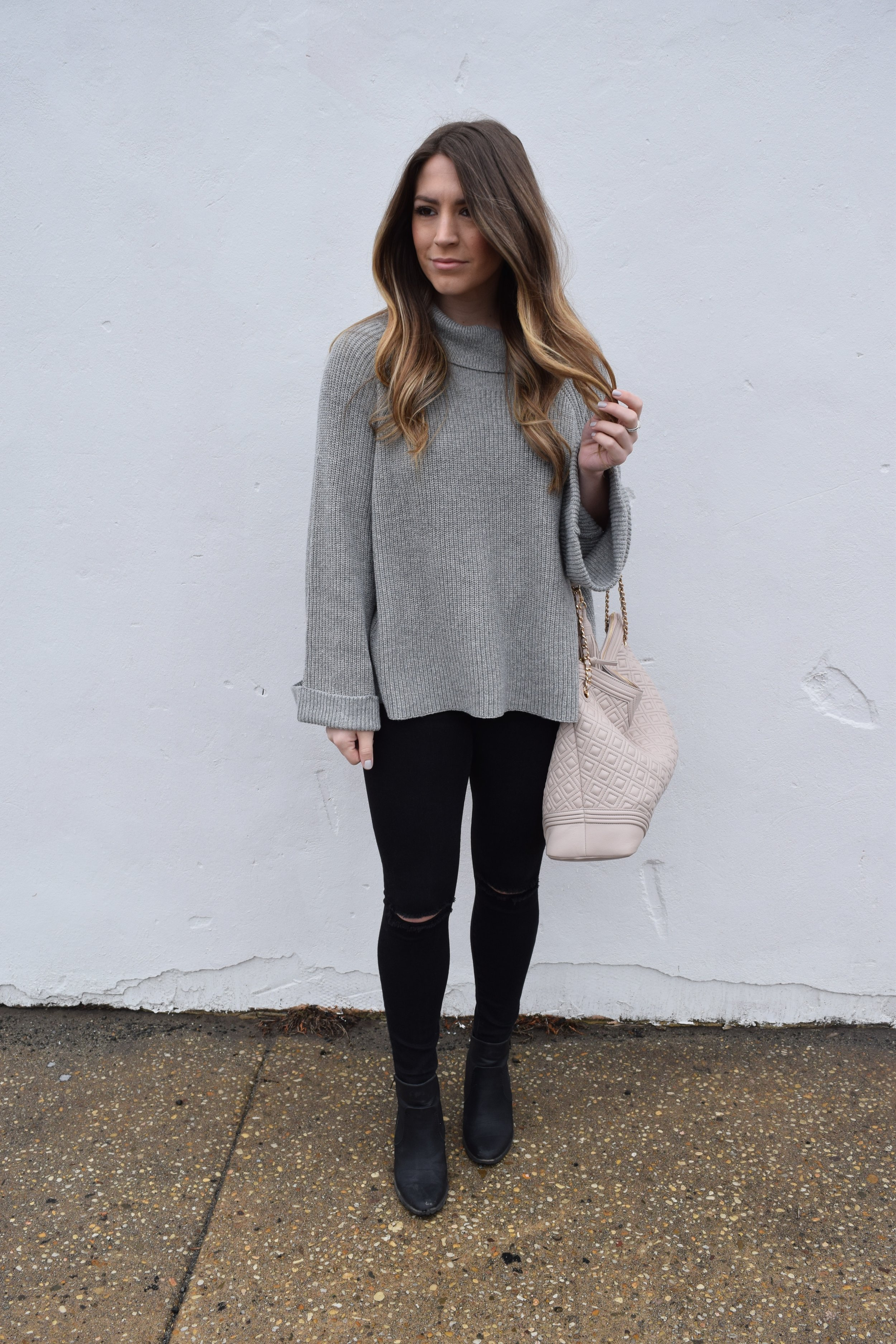 winter fashion, grey sweater, outfit idea