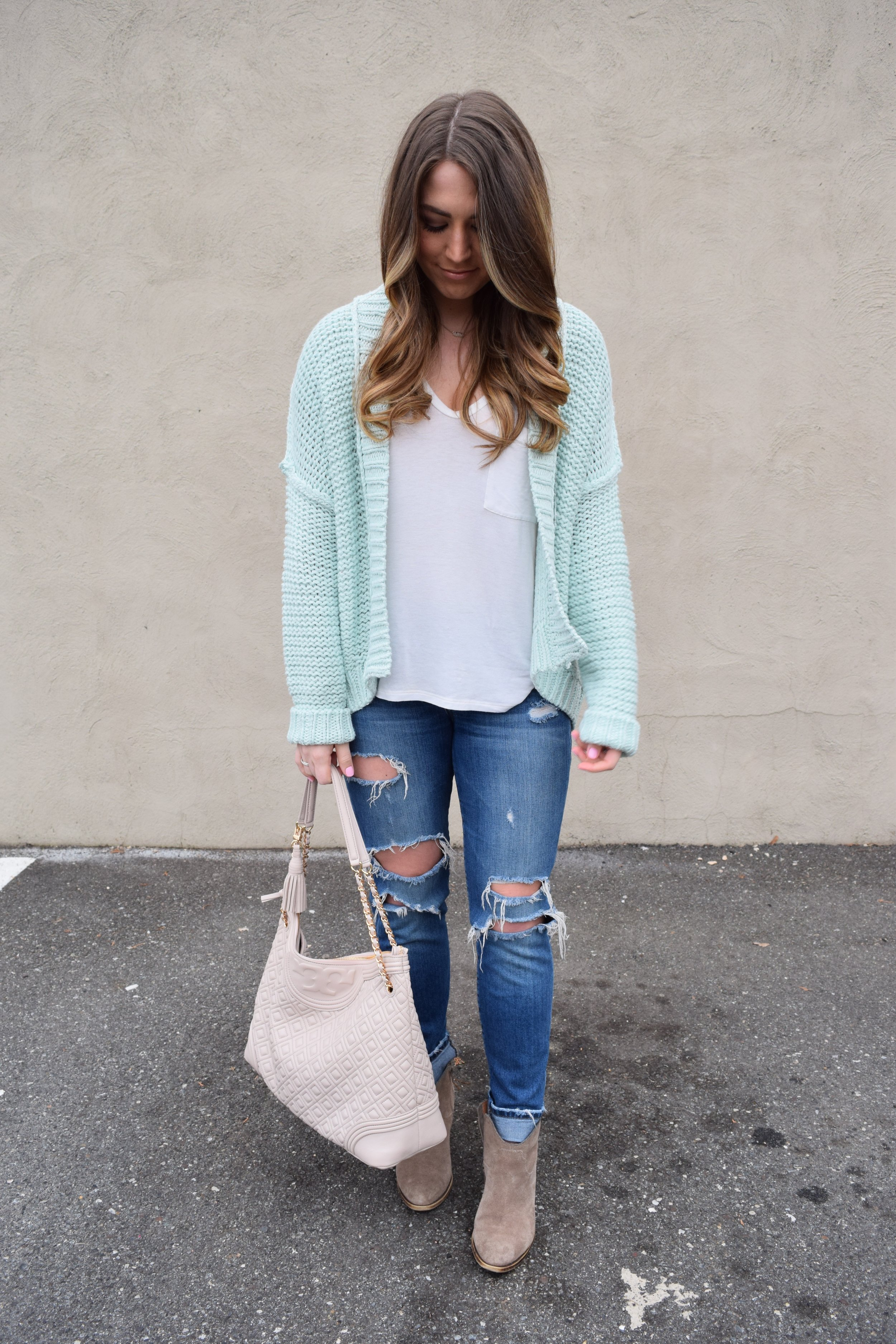 spring transition outfit, anthropologie mint cardigan, joe's jeans, lucky brand booties, tory burch bag
