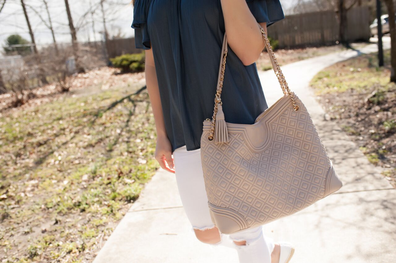 spring outfit idea / white denim, tory burch bag