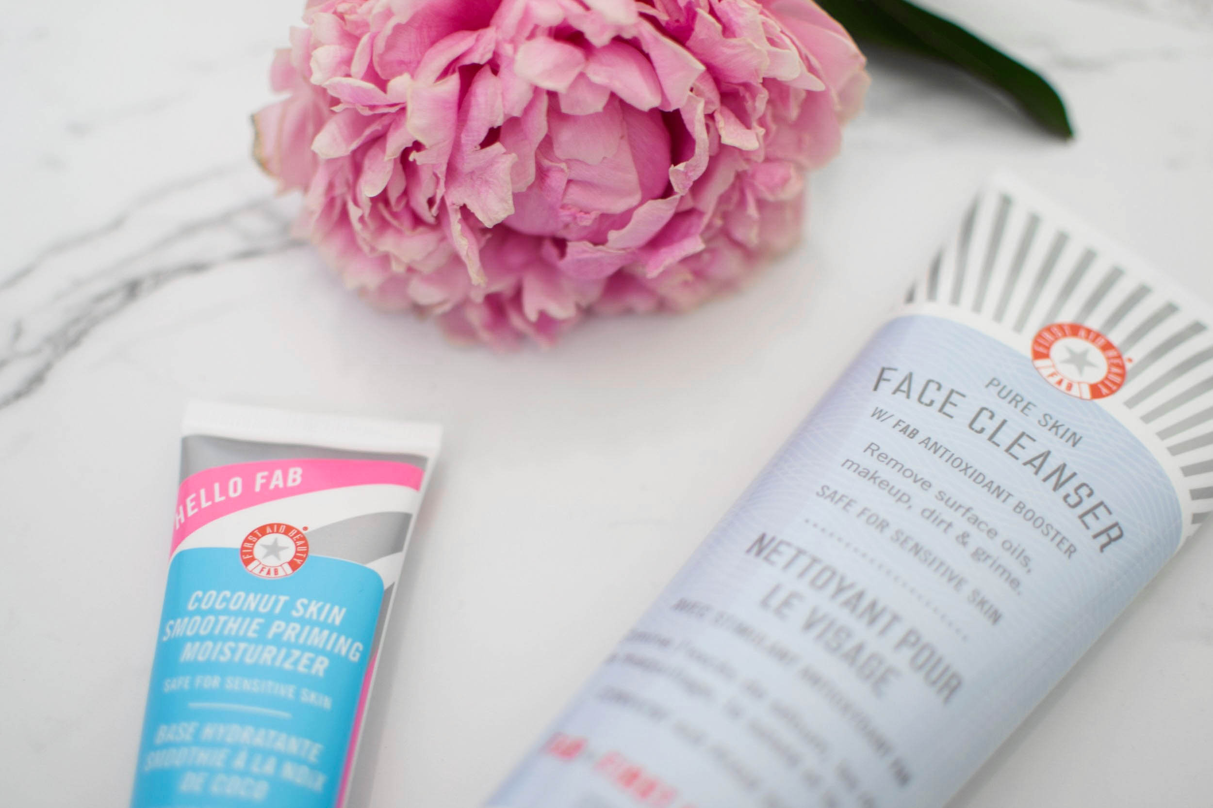 first aid beauty pure skin face cleanser review / beauty talk / beauty review