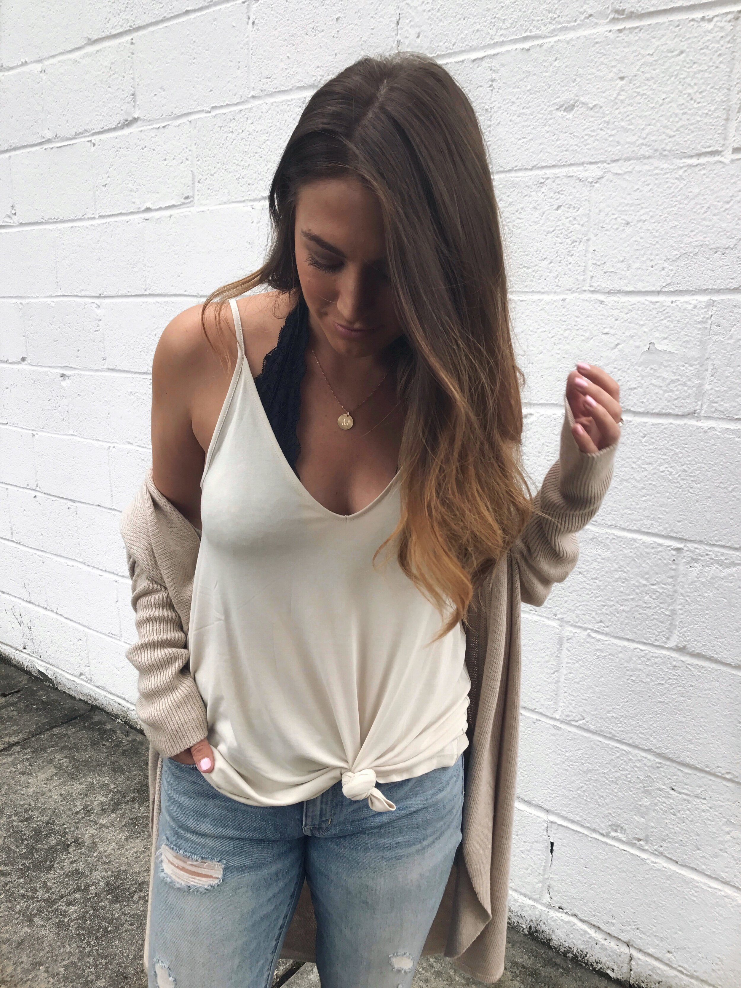 Leith cardigan / knotted tank top / distressed denim / fall transition outfit idea / outfit inspiration