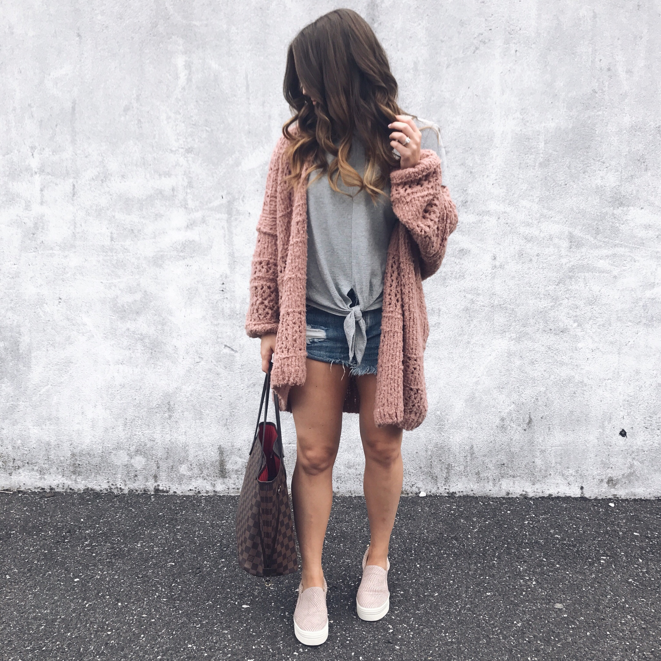 marc fisher slip ons / free people cardigan / madewell tie front tee / one teaspoon shorts / fall transition outfit idea