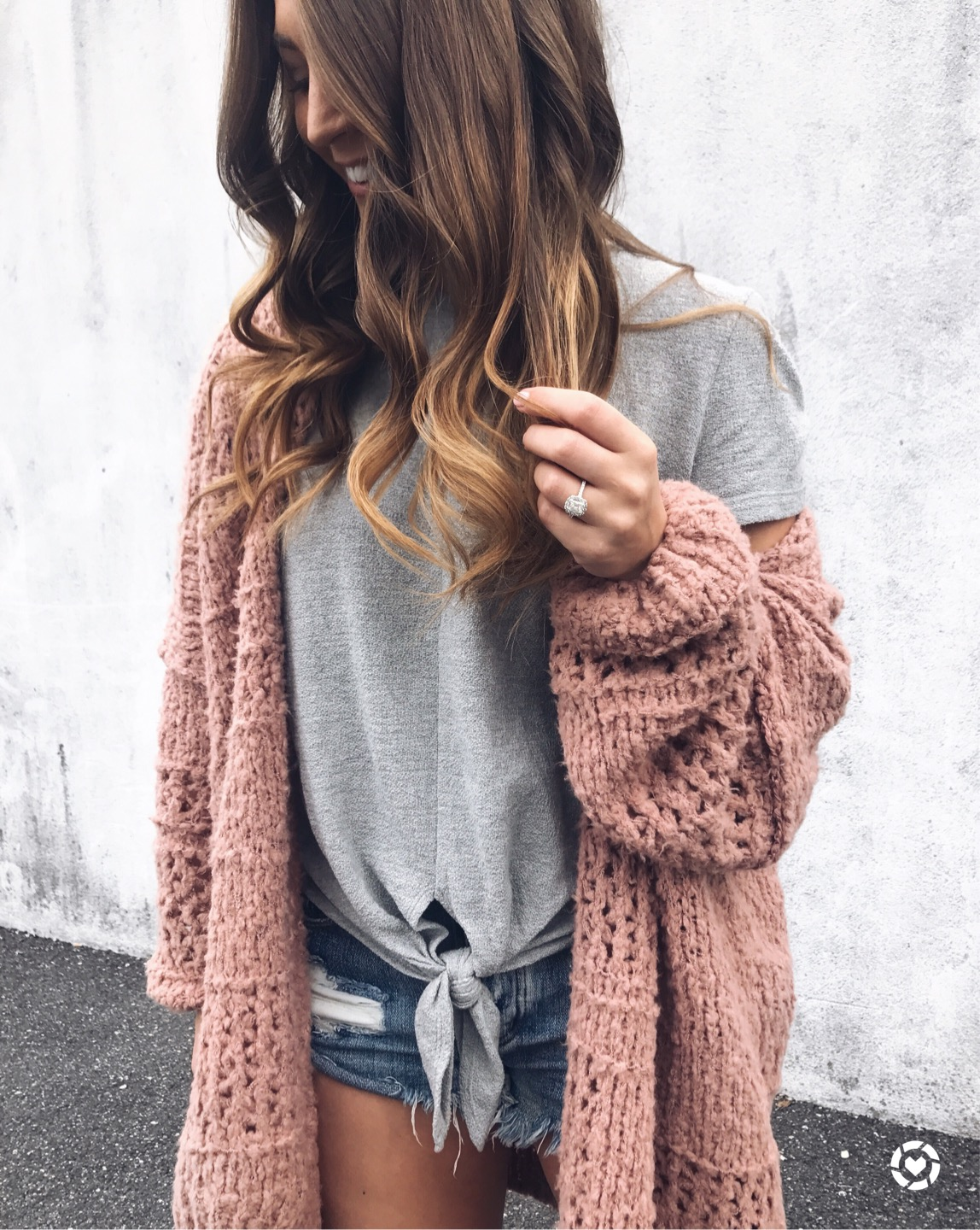 fall transition outfit idea / fall outfit idea / free people cardigan / madewell tie front tee