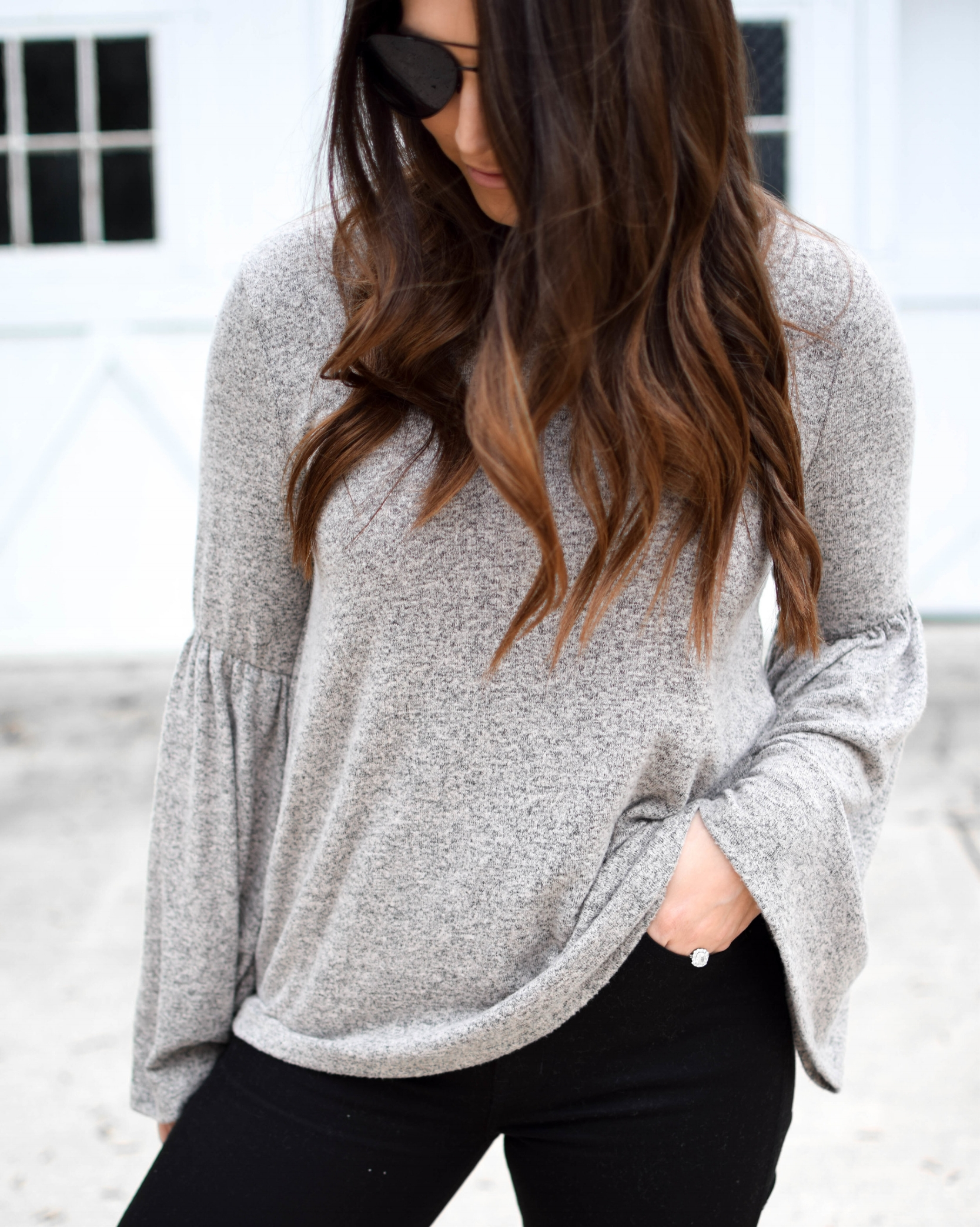 fall fashion / fall outfit idea / fall outfit inspiration / bell sleeve top for fall / black high rise denim