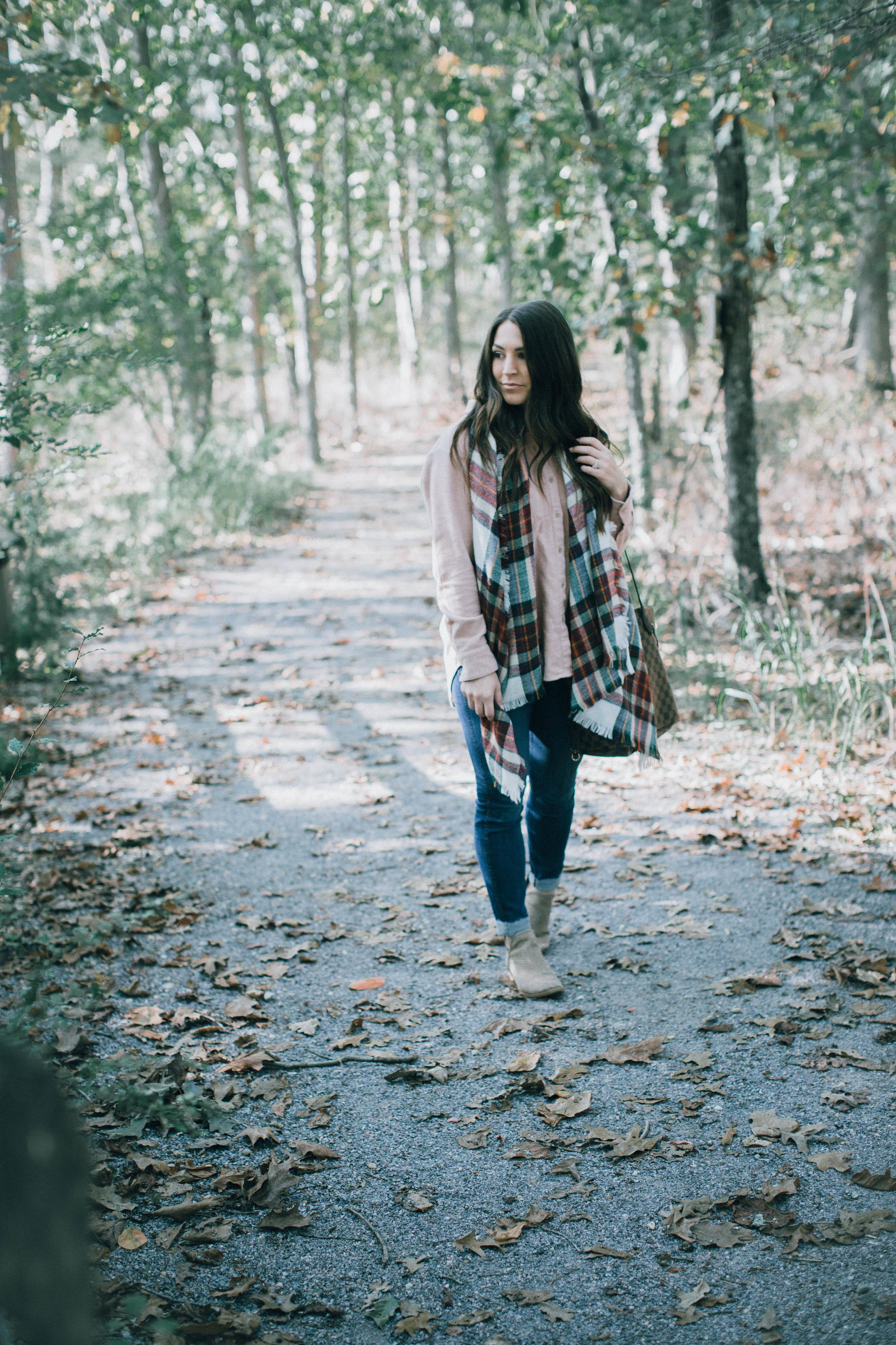 styling blush for fall / fall fashion / fall outfit idea / fall outfit inspiration / fall feels / blush flannel / plaid blanket scarf