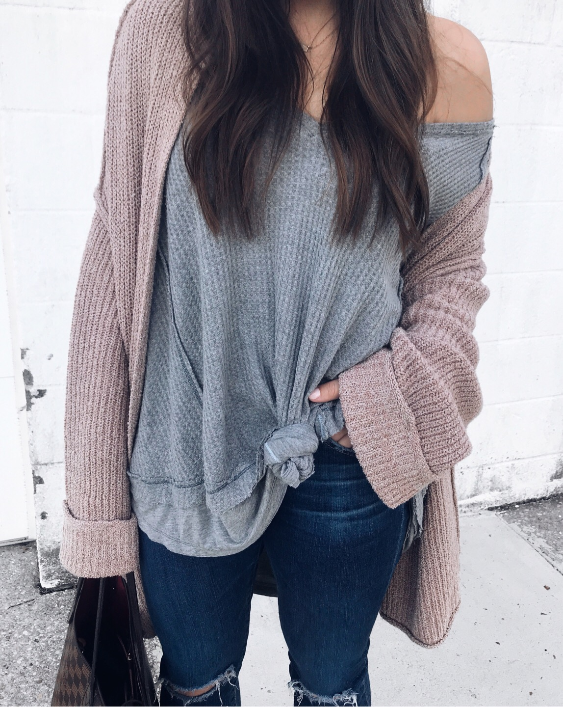 fall fashion / fall outfit idea / fall outfit inspiration / fall feels / fall vibes / fall layers / cozy cardigan / the best thermal for fall