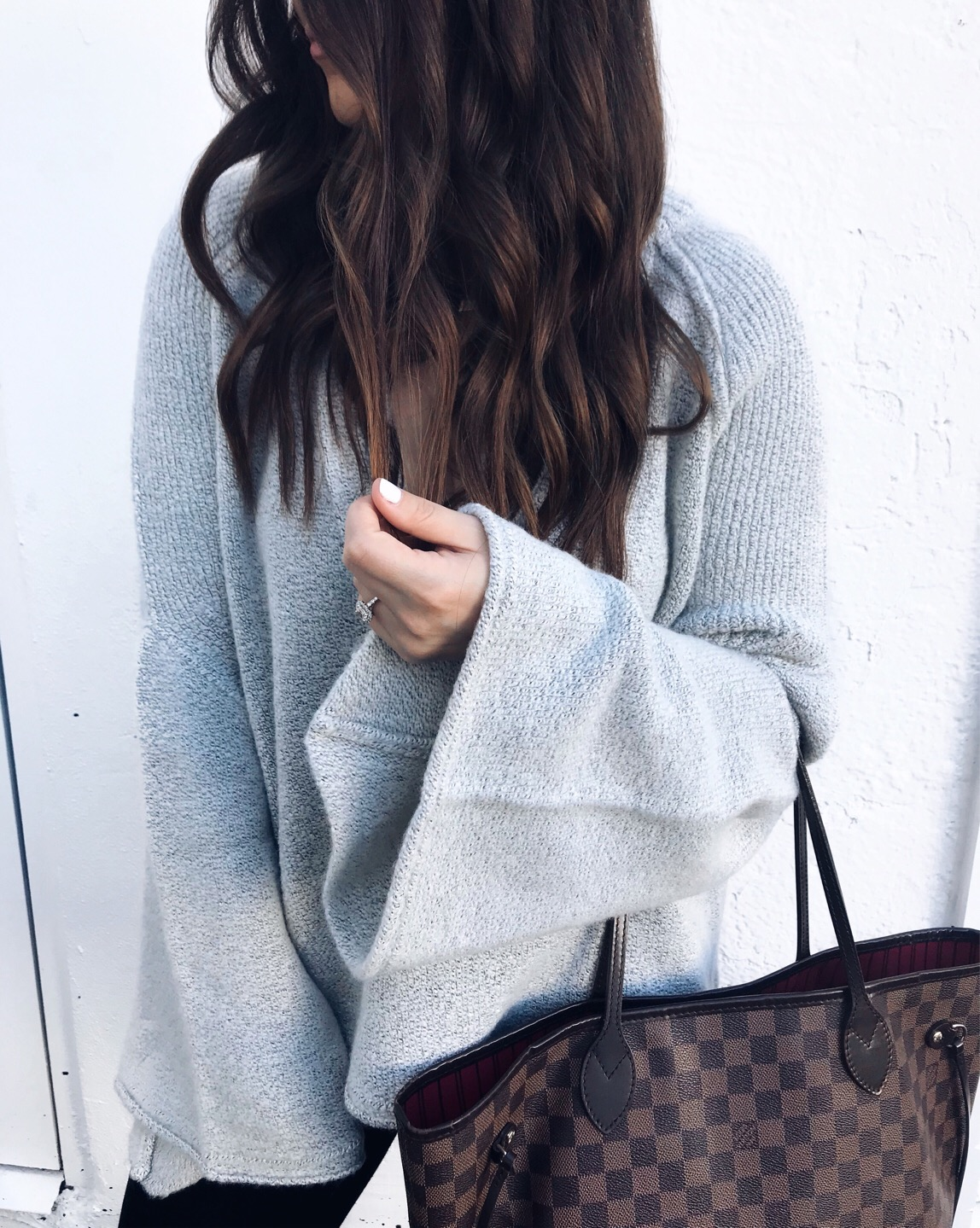 fall fashion / fall outfit idea / fall outfit inspiration / fall feels / fall vibes / bell sleeve sweater / cozy sweater