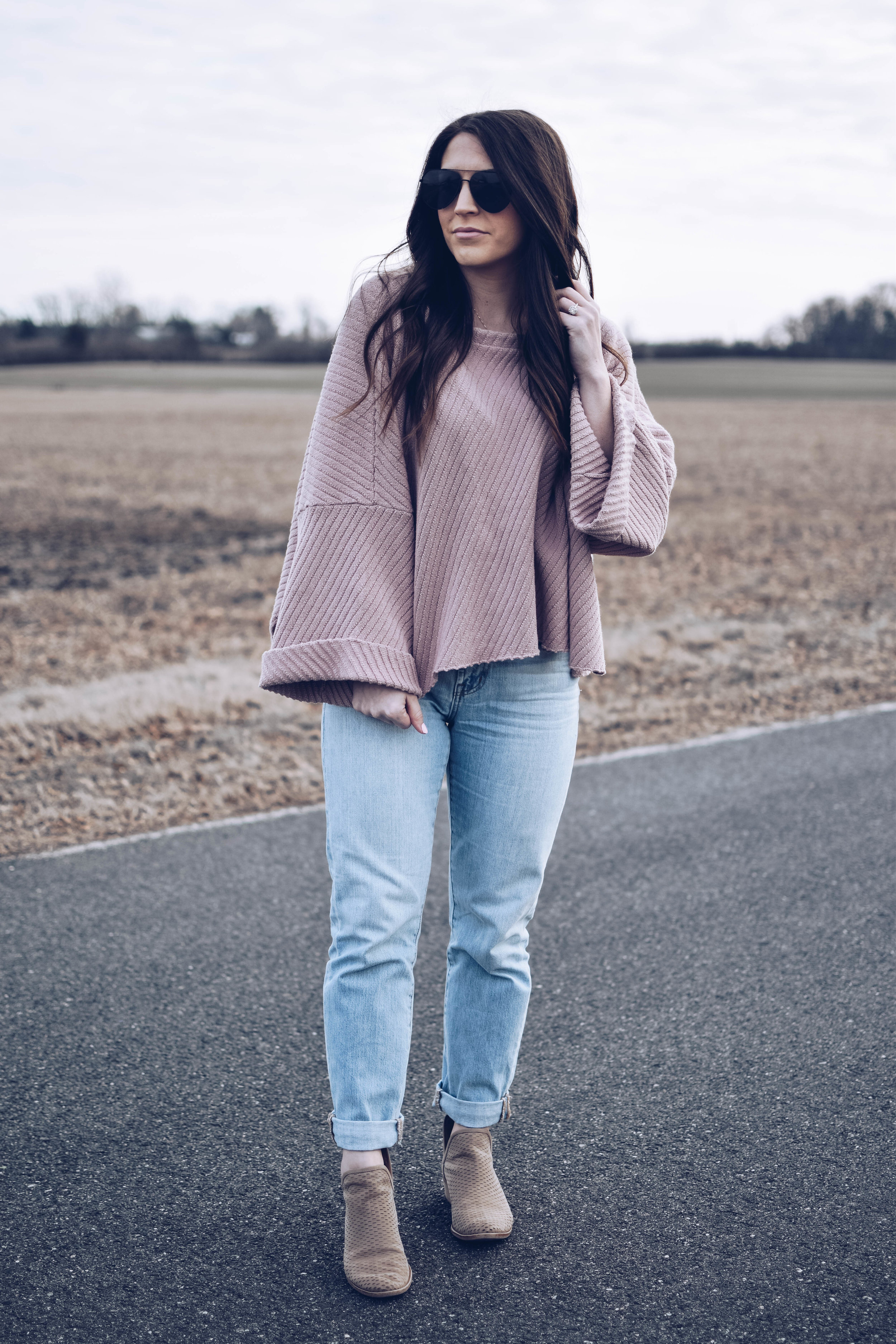 Free People Sweater + Madewell Denim | Pine Barren Beauty | spring transition outfit idea, spring outfit inspiration. how to style mom jeans, light wash denim, oversized sweater