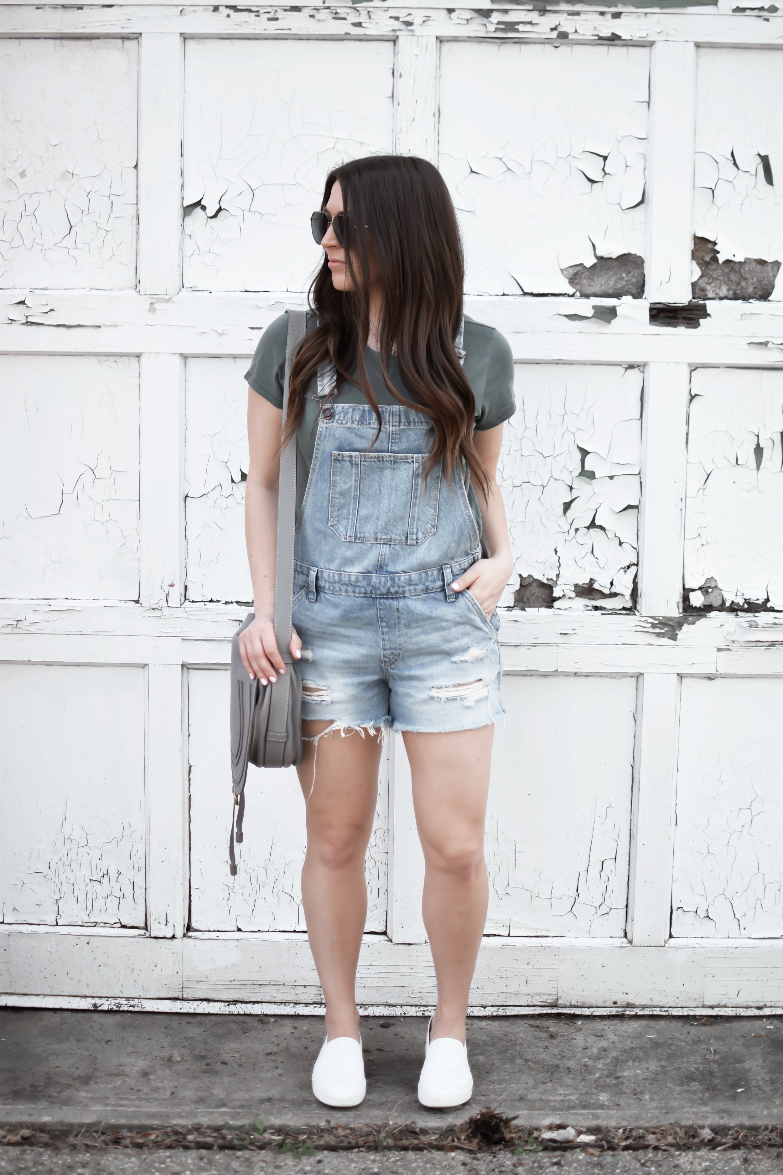 How to Style Overalls | Pine Barren Beauty | how to wear overalls, Abercrombie overalls, basic tee, Vince slip ons, summer outfit idea, summer outfit inspiration