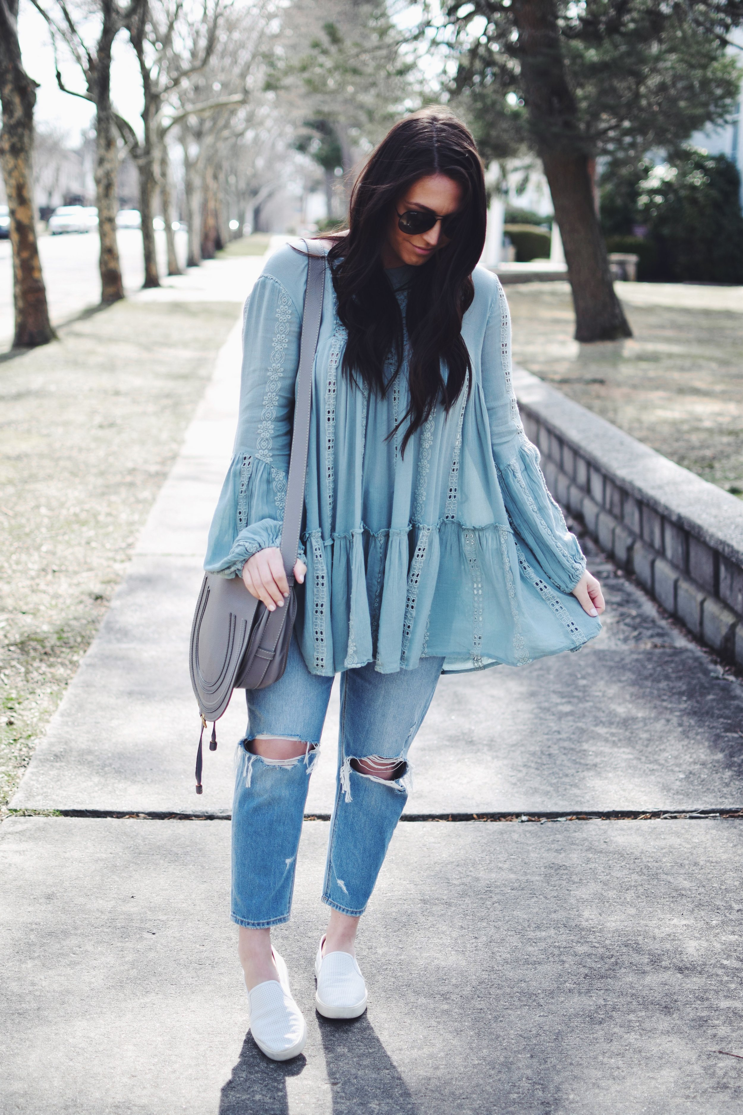 The Prettiest Tunic for Spring | Pine Barren Beauty | free people tunic, American eagle denim, distressed denim, spring outfit idea, spring outfit inspiration