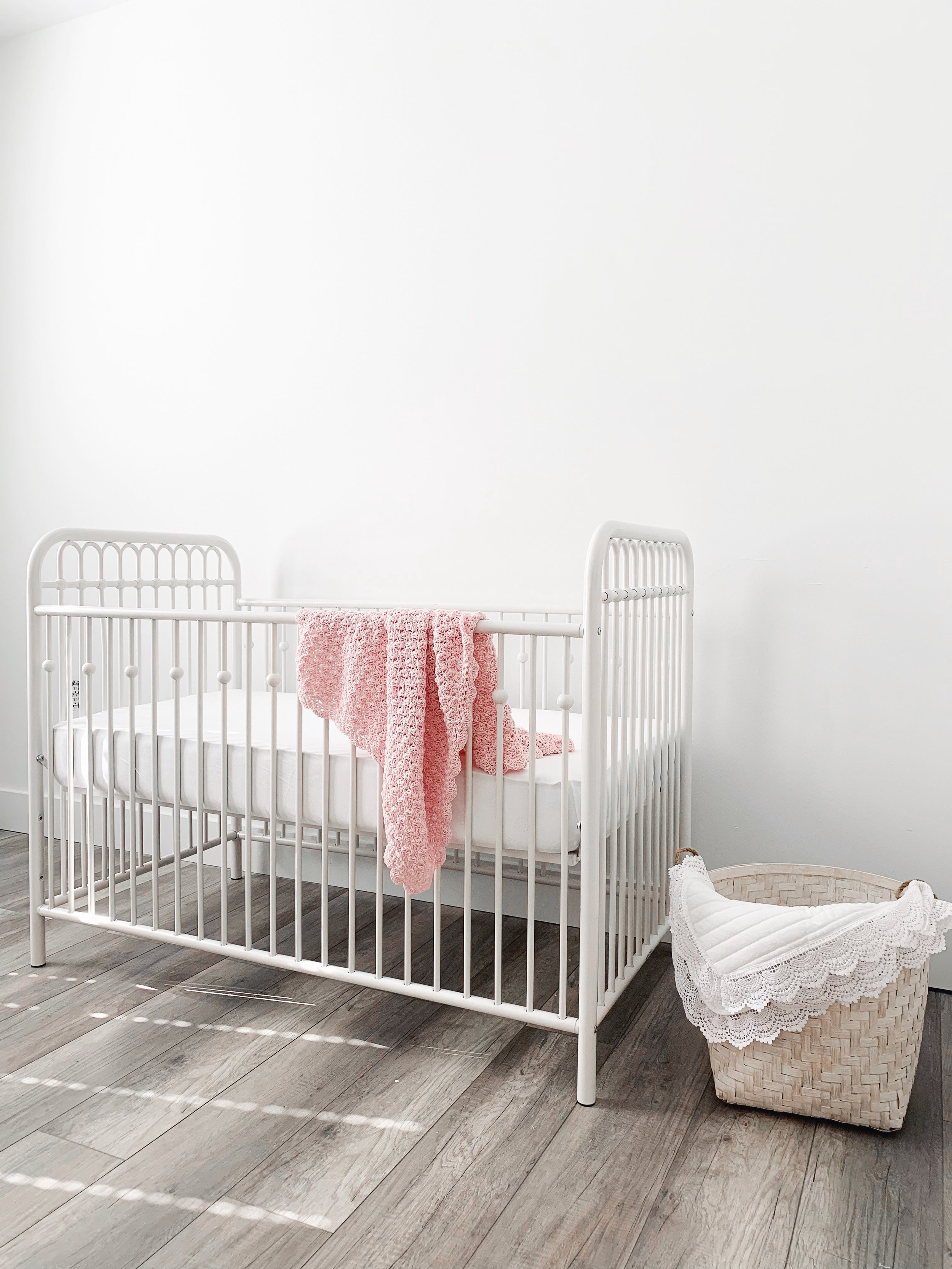 baby girl nursery | neutral nursery | white and grey nursery