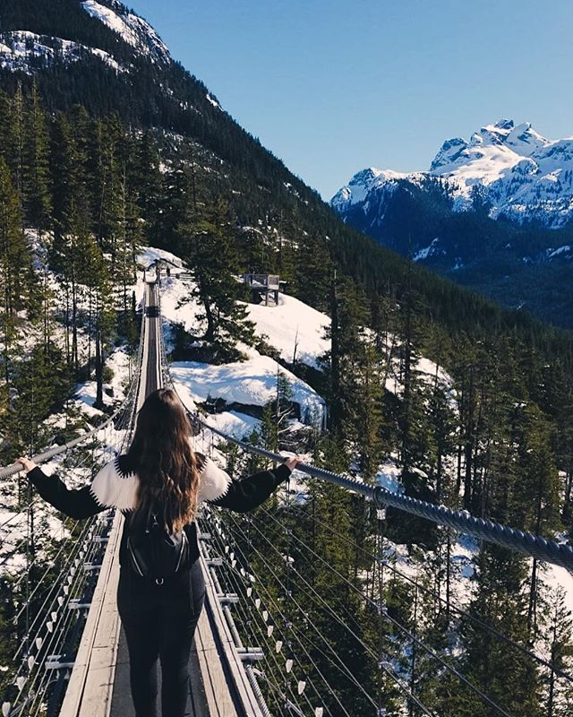 FACING FEARS • i am absolutely one of those people who has a healthy amount of fear with regards to heights, + yet, I regularly find myself dangling off of ledges, jumping off of cliffs, + peering over suspension bridges to try + get the best view/experience of the world 🤷🏻♀️ ✦ #GypsetJessie #Fears #Adventure #Travel #Wanderlust #Canada #BritishColumbia #Winter #SeaToSky