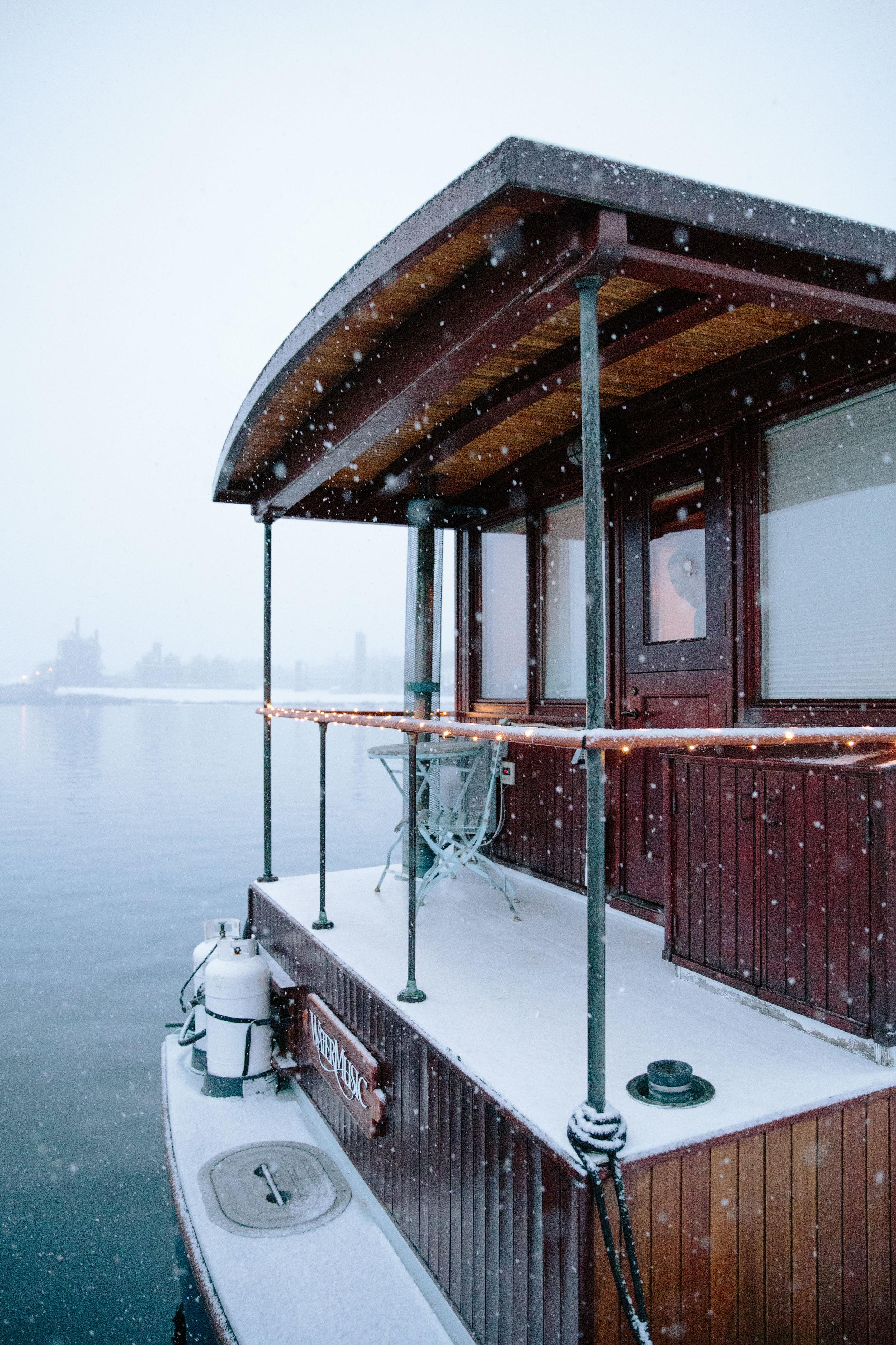 ajwells_houseboat-0006-2.jpg