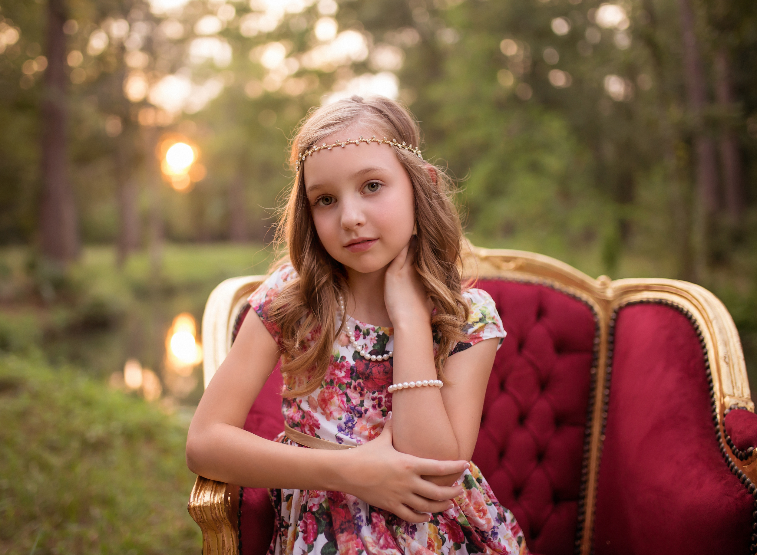 woodlands-tx-child-family-photographer-sunset-session-golden-hour-vintage-chair_0235 (1).jpg
