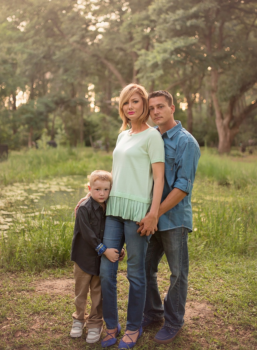 golden-sunset-family-pic-woodlands-houston-photographer-spring-TX