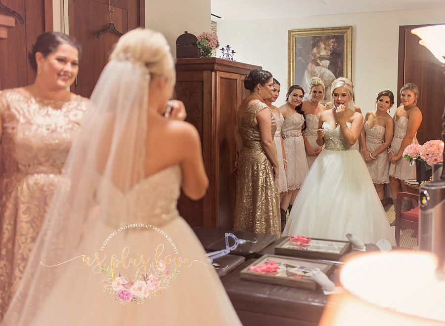 Bridal-party-woodlands-church-houston-wedding-photographer-documentary-photography-77381-final-touches-dress-lipstick.jpg