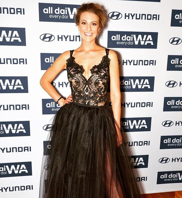 This dress 🙌🙌🙌 I LOVE it! Made by my amazing mumma! Couture just for me 😃💕 #thisdress #perthisok #alldaieverydaiwa #alldressedup • Hair by @hairbyronniedavies 💕 • MU by @jessica_renae_beauty 💕