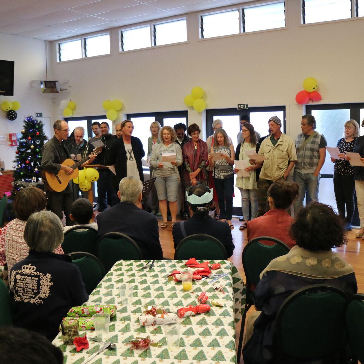 kiwi Chrisrtmas 7 Street Choir Dec 16.jpg