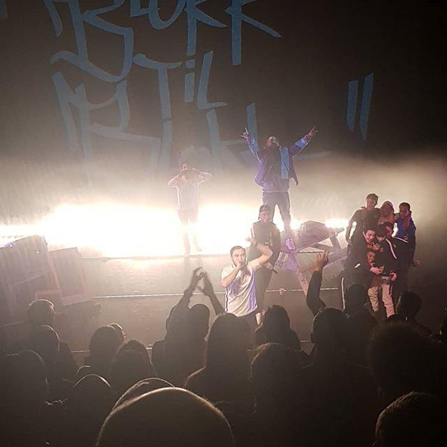 Yeeeeah! Lokalbonus på Rommen Scene! Naaaalband! #kulturdalen #stovnerlove #oslove #groruddalen