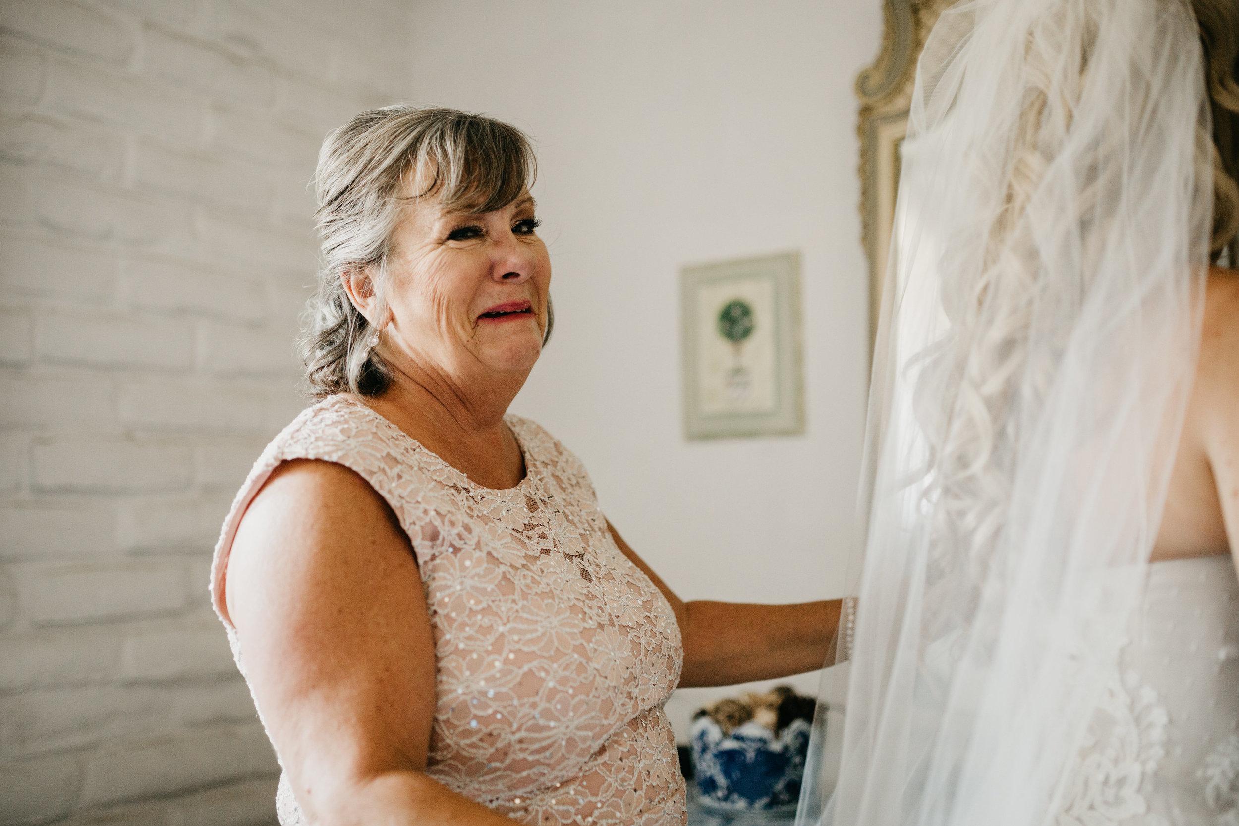 DianaLakePhoto-L+M-San-Diego-Wedding-Getting-Ready42.jpg