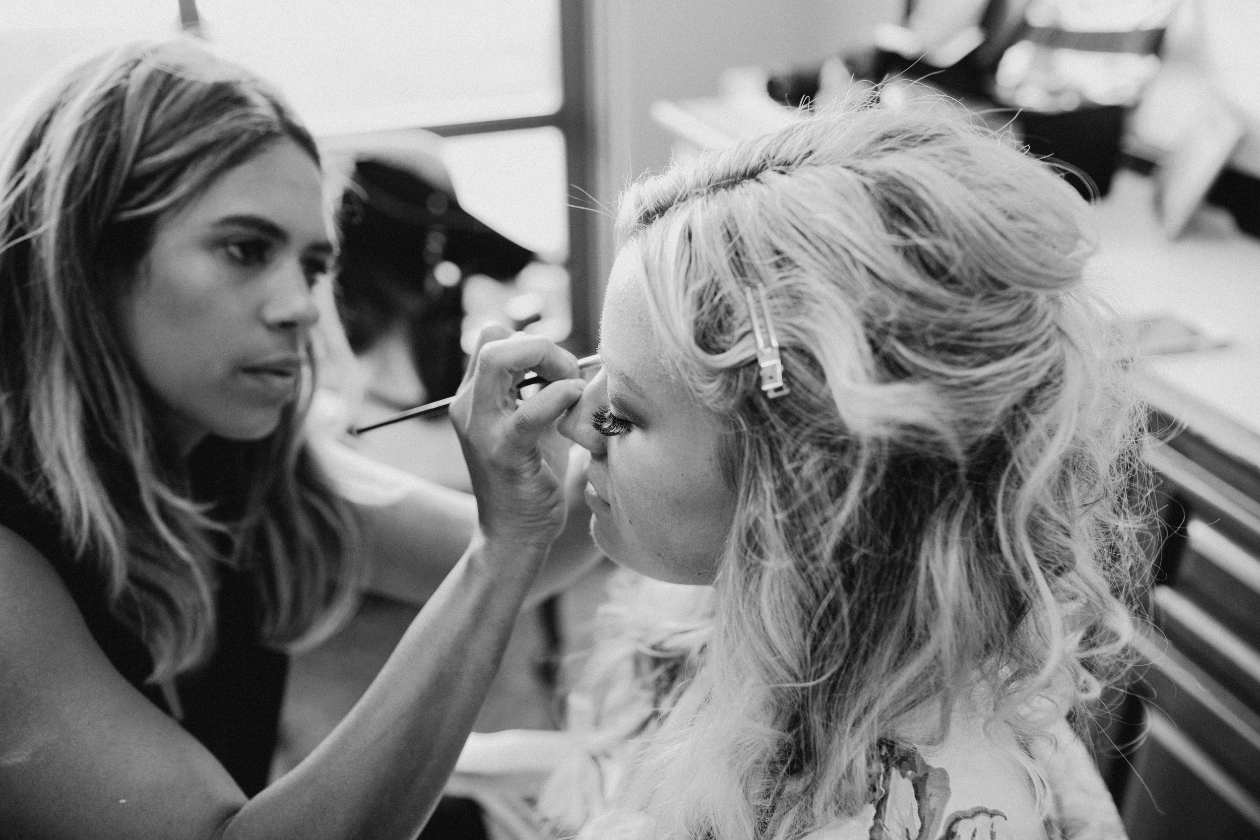 DianaLakePhoto-A+C-Wedding-GettingReady_13.jpg