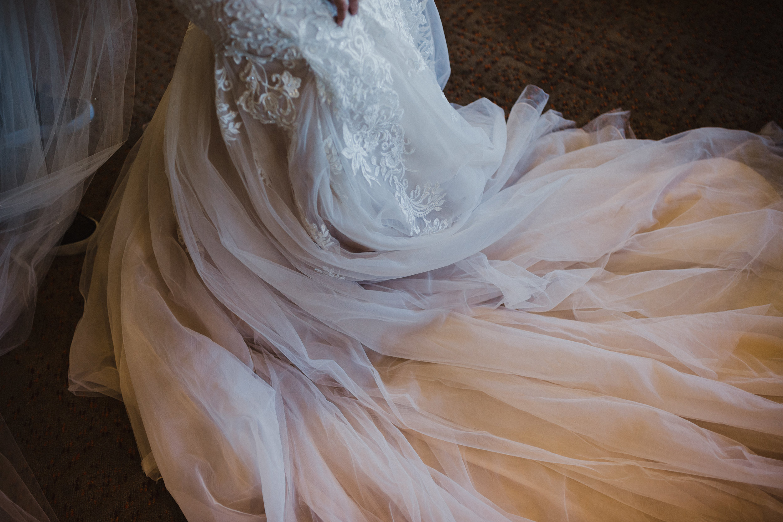 DianaLakePhoto-A+C-Wedding-GettingReady_96.jpg