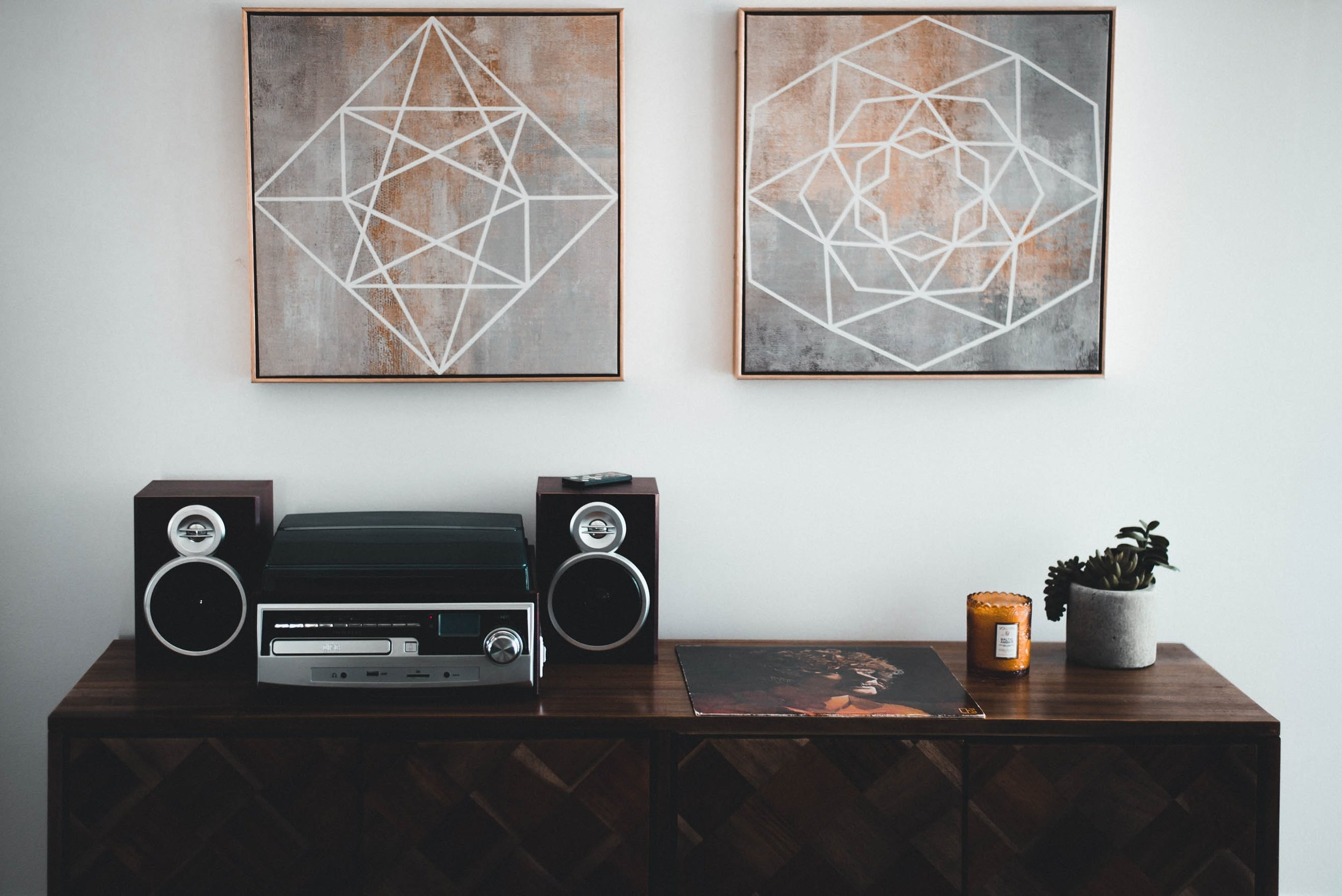art-cabinet-decoration-706144.jpg
