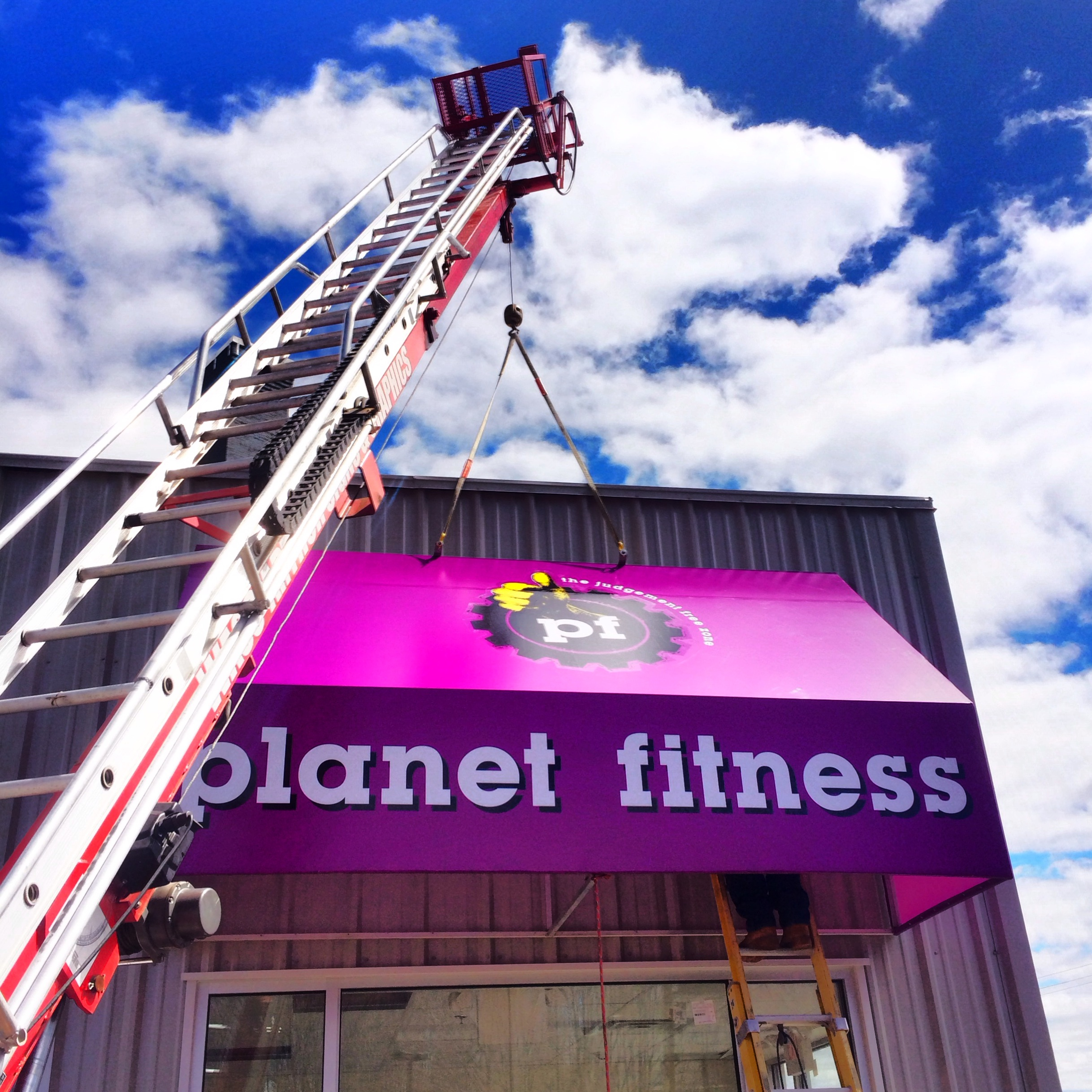 Planet Fitness Awning.JPG