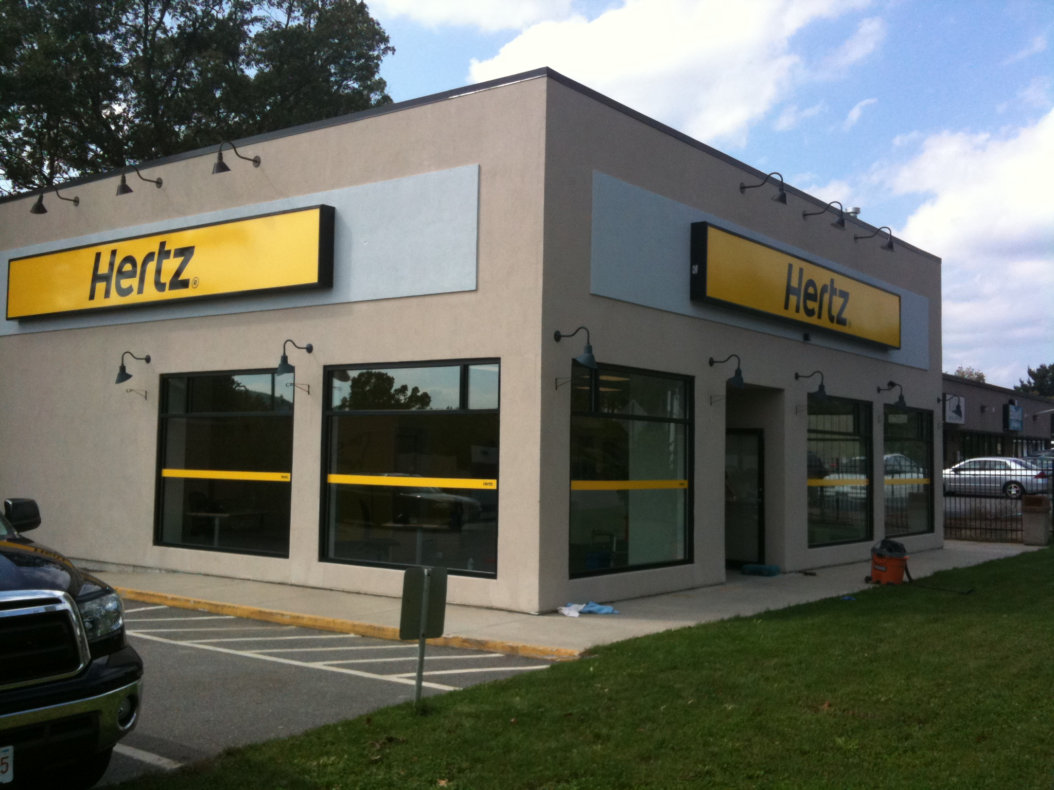Hertz Building Sign.JPG