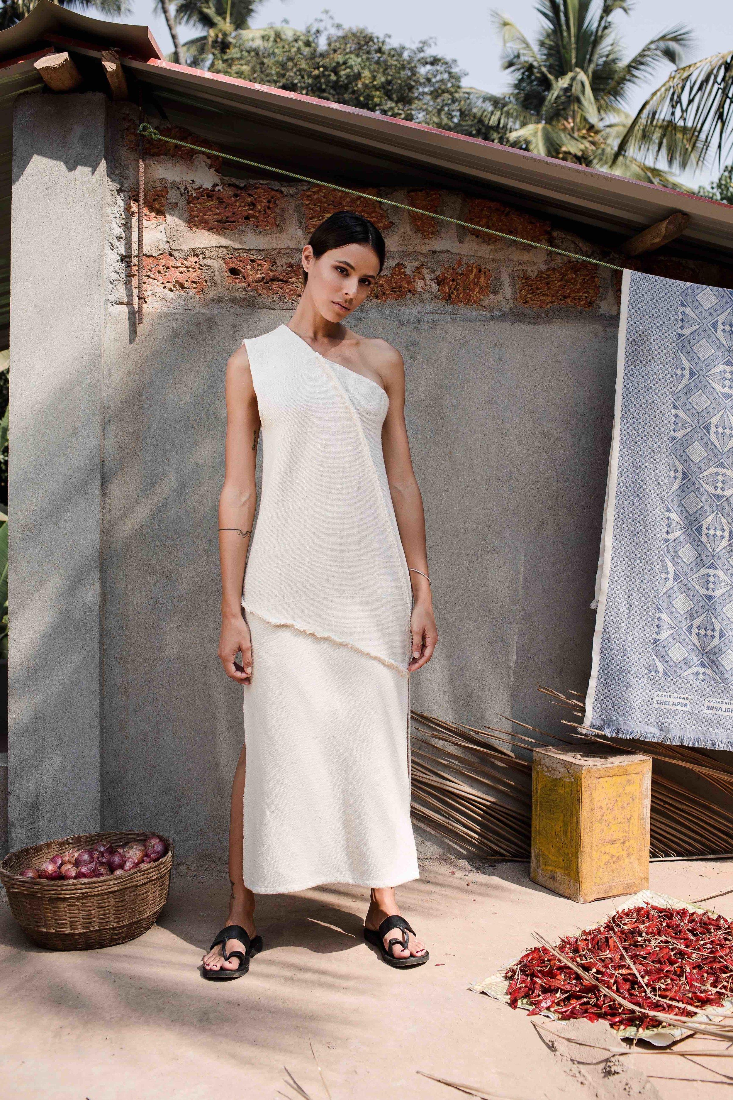 handwoven-oneshoulder-natural-cloth-dress-1.jpg