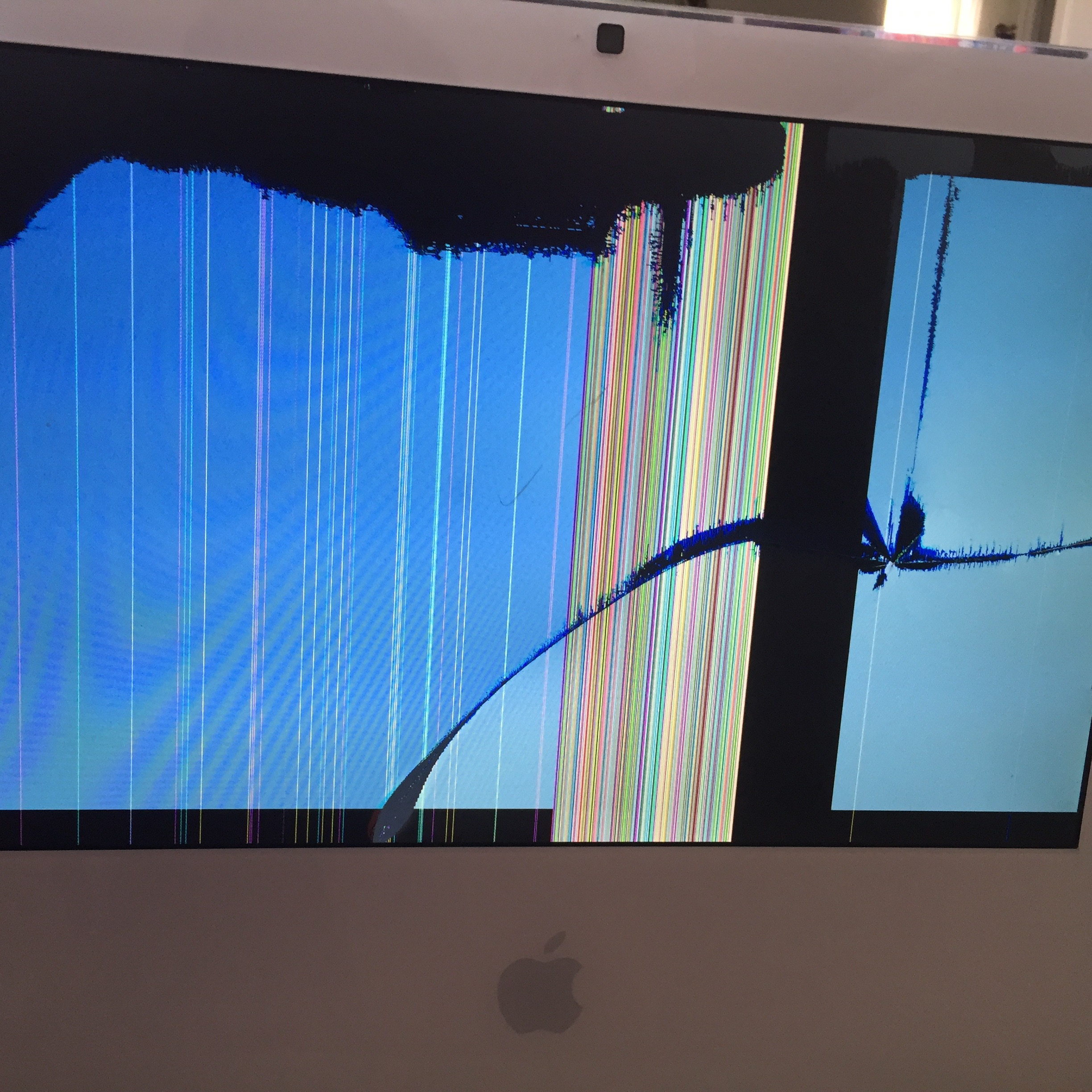 Replacing the LCD brought this iMac back to life