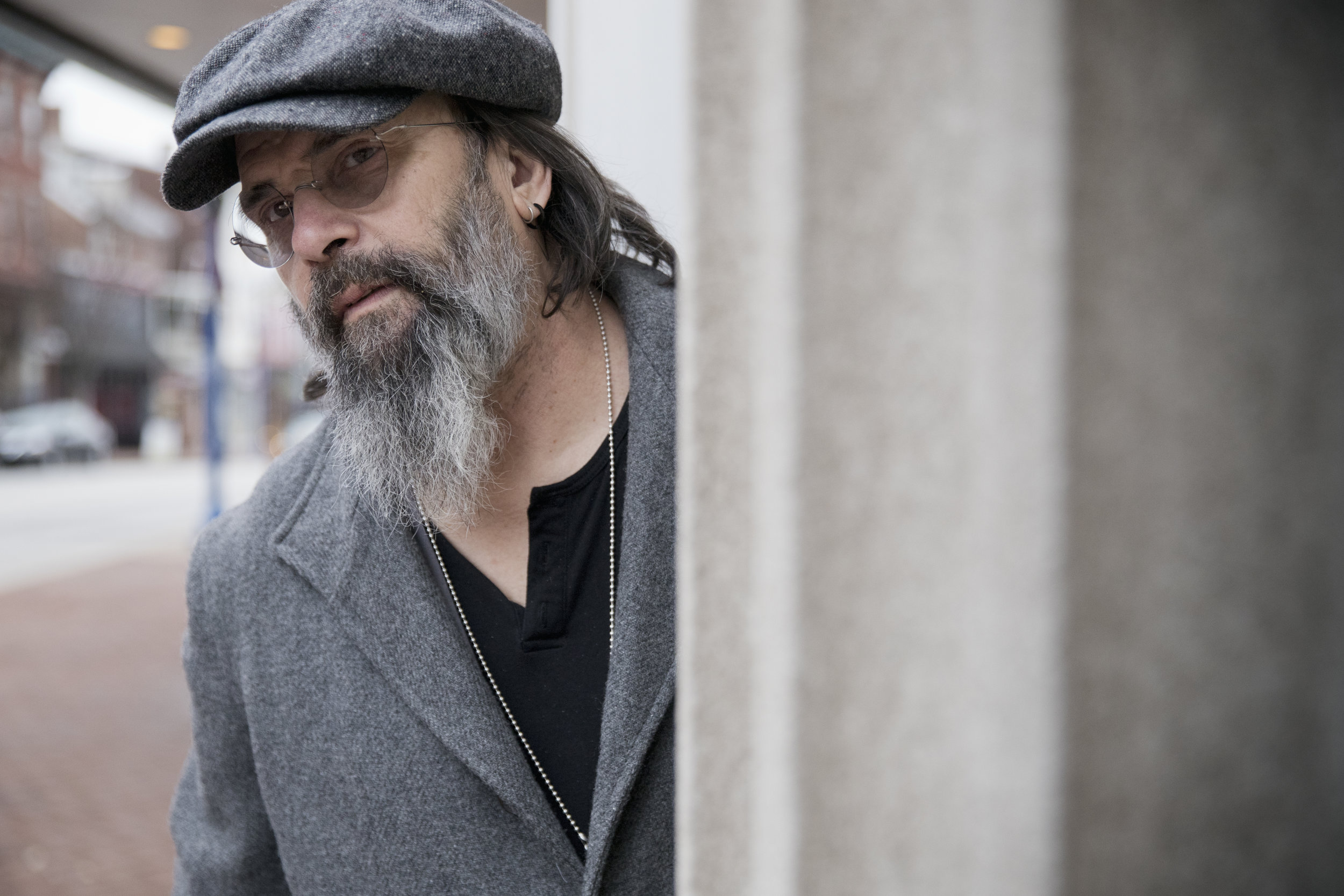 Steve Earle photo by Tom Bejgrowicz  Download Hi Resolution Image