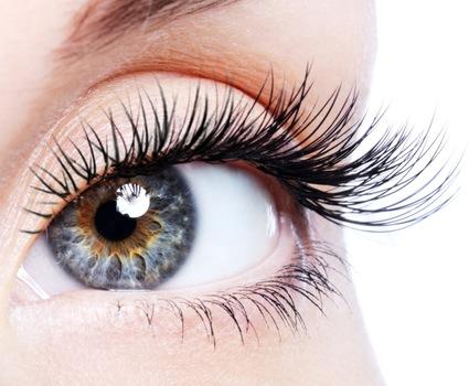 Thin eyeLashes