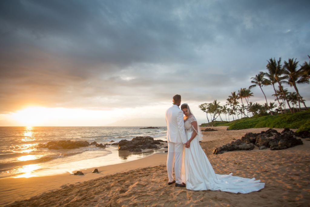 Maui beach wedding photography 05.jpg