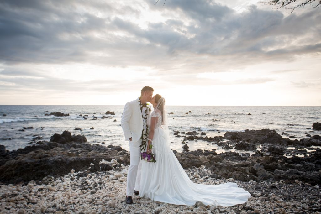 Maui beach wedding photography 04.jpg