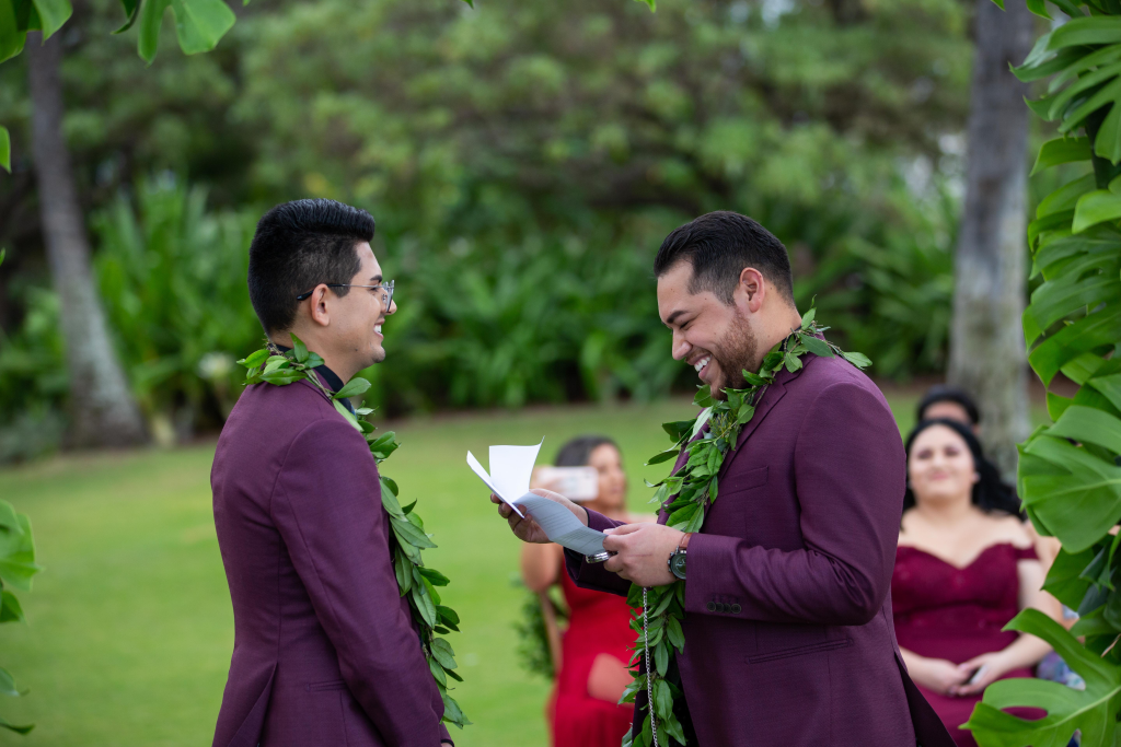 Hawaii Photography - couple photo vows.png