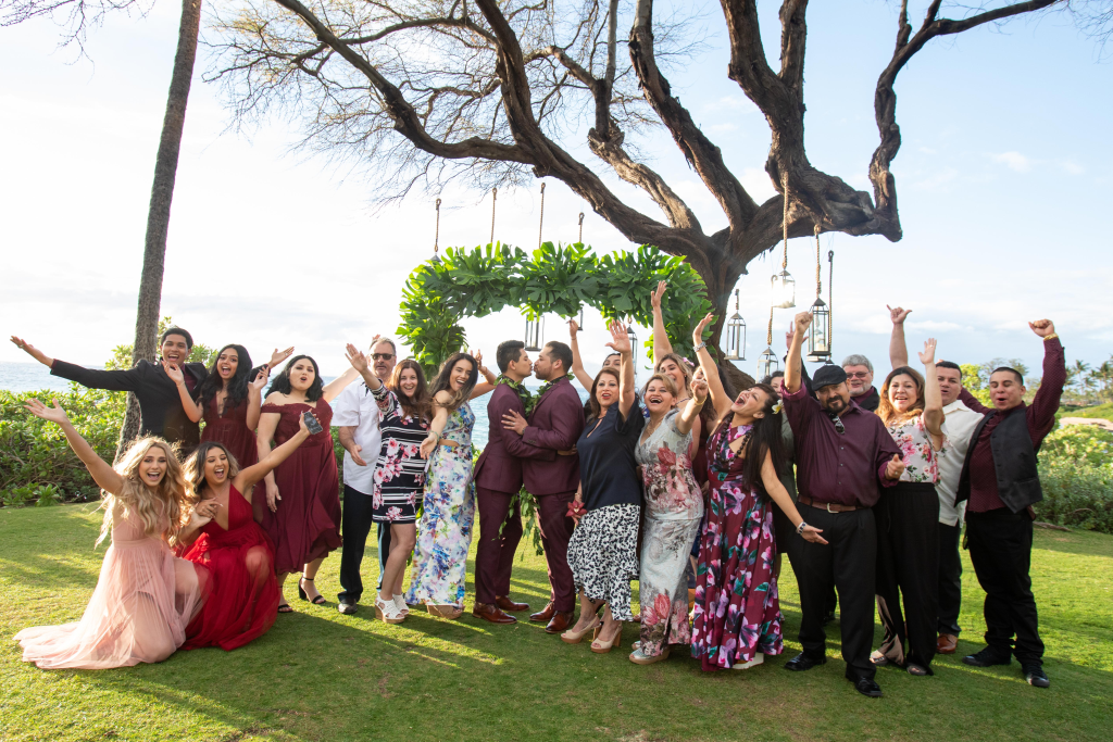 Hawaii Photography - wedding party.png