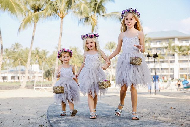 Are these the cutest flower girls you've ever seen?!?! 😍😍